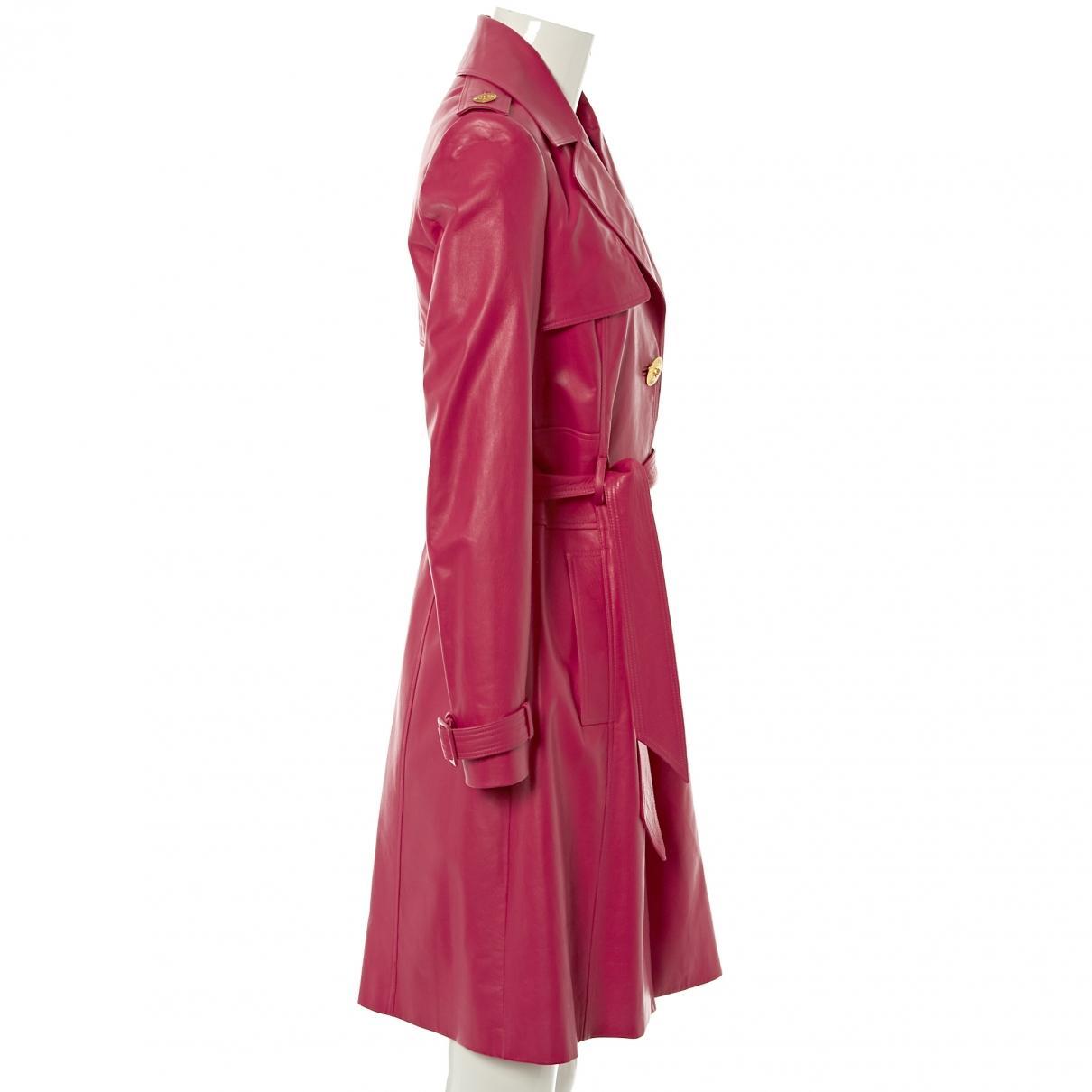 Trench en cuir Versace en coloris Rose