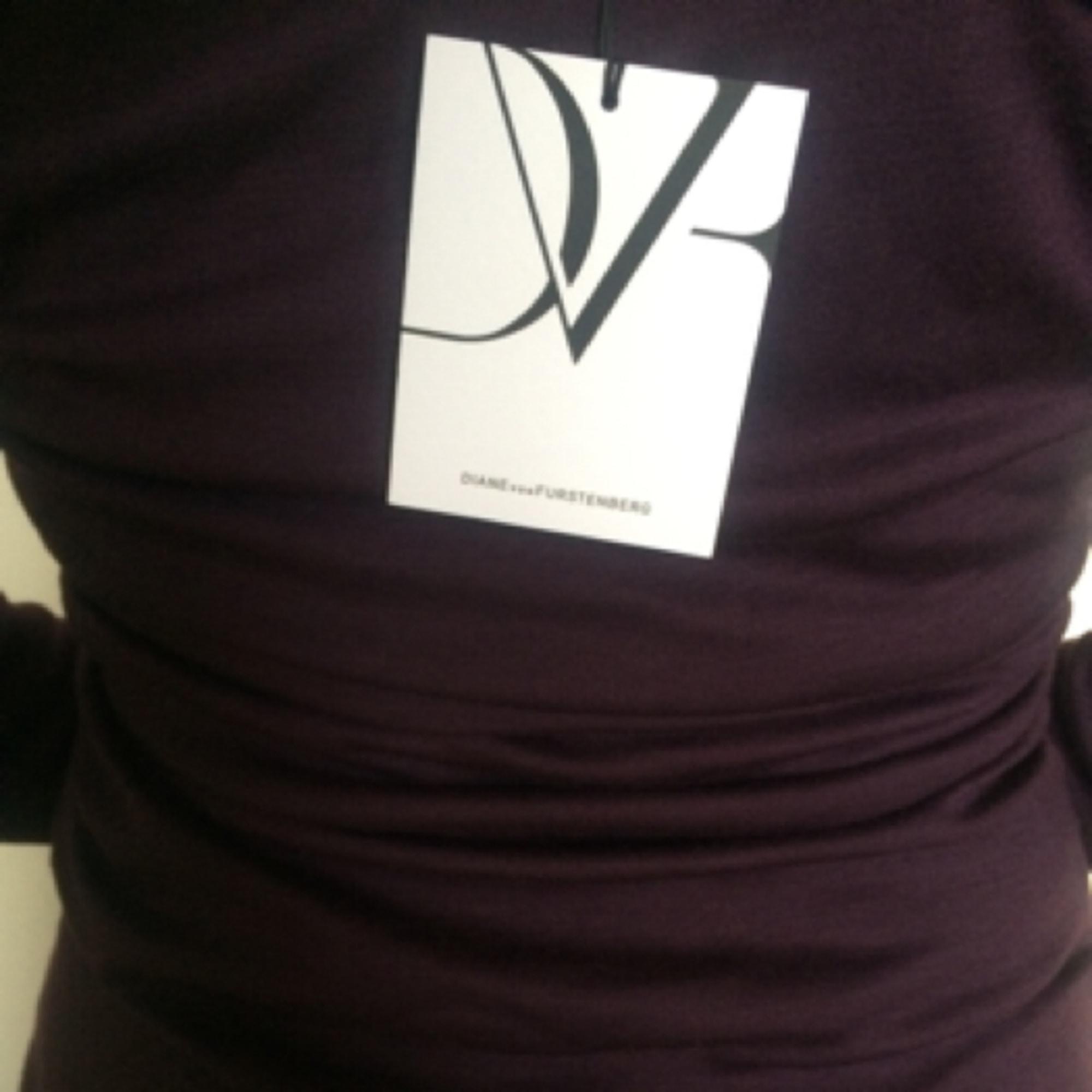 Robe courte laine violet Diane von Furstenberg en coloris Violet