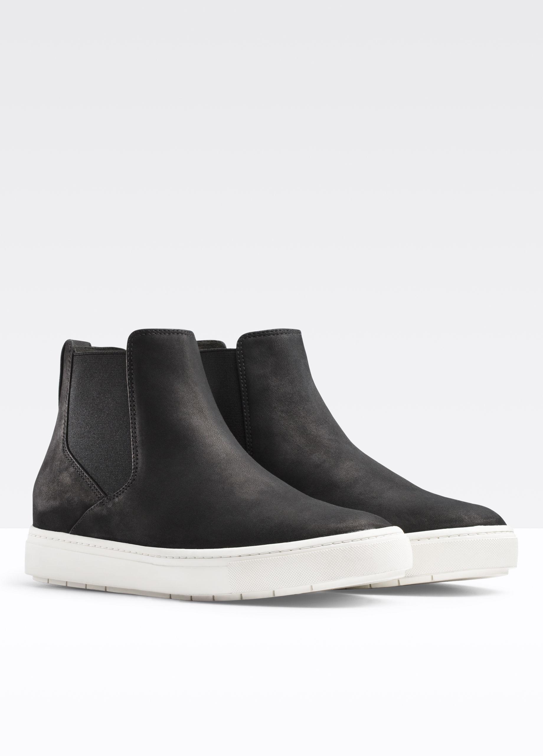Vince Leather Newlyn Sneaker in Black