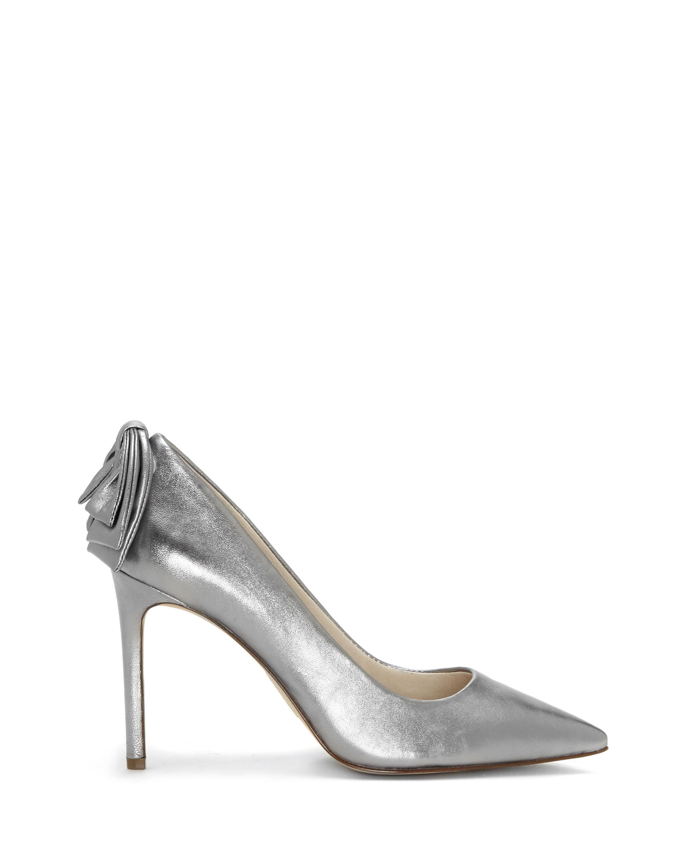 1daf400cf6b Lyst - Vince Camuto Louise Et Cie Josely – Bow Pump