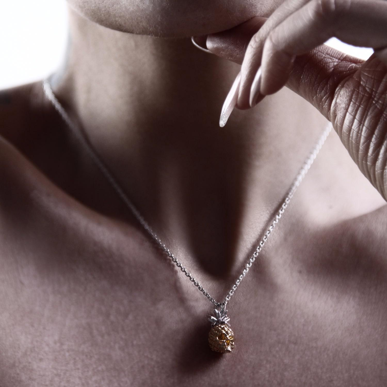 Kasun Forbidden Pineapple Silver in Metallic