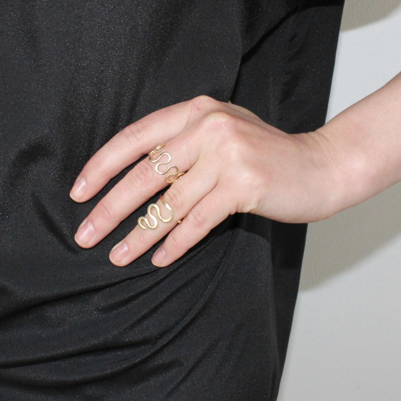 Lyst - Dorota todd Loop Ring in Metallic