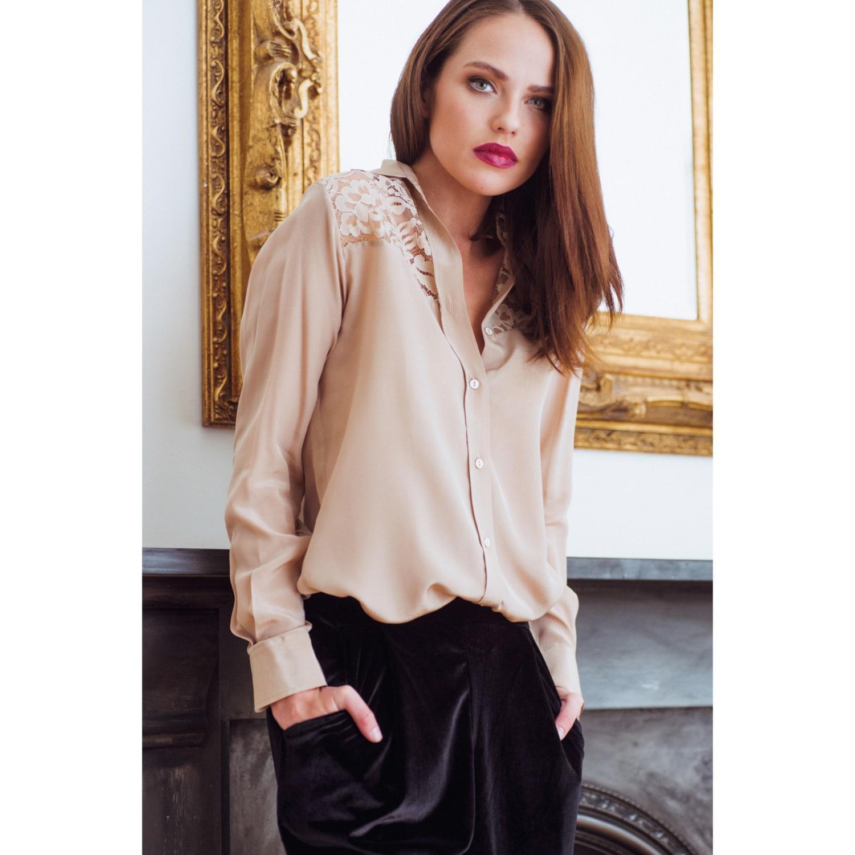 d1495fa508cf84 Sophie Cameron Davies - Natural Beige Classic Silk Shirt - Lyst. View  fullscreen