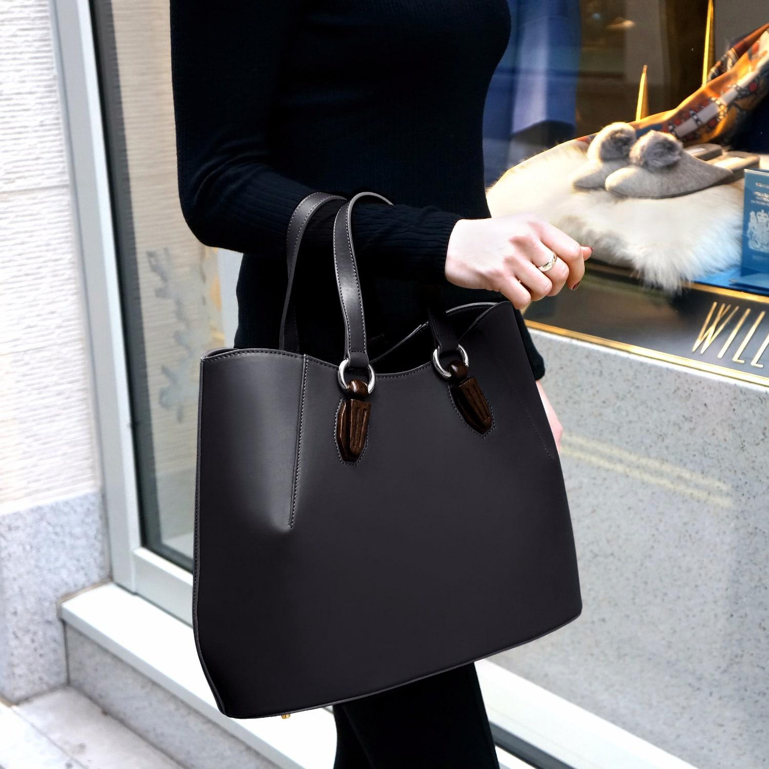 AEVHA Leather Garnet Tote In Black With Wooden Hardware