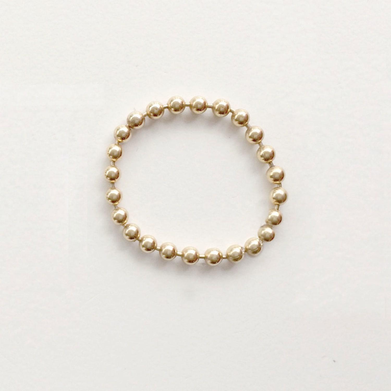 Alice Eden Dot Dash Ball Chain Ring in Gold (Metallic)