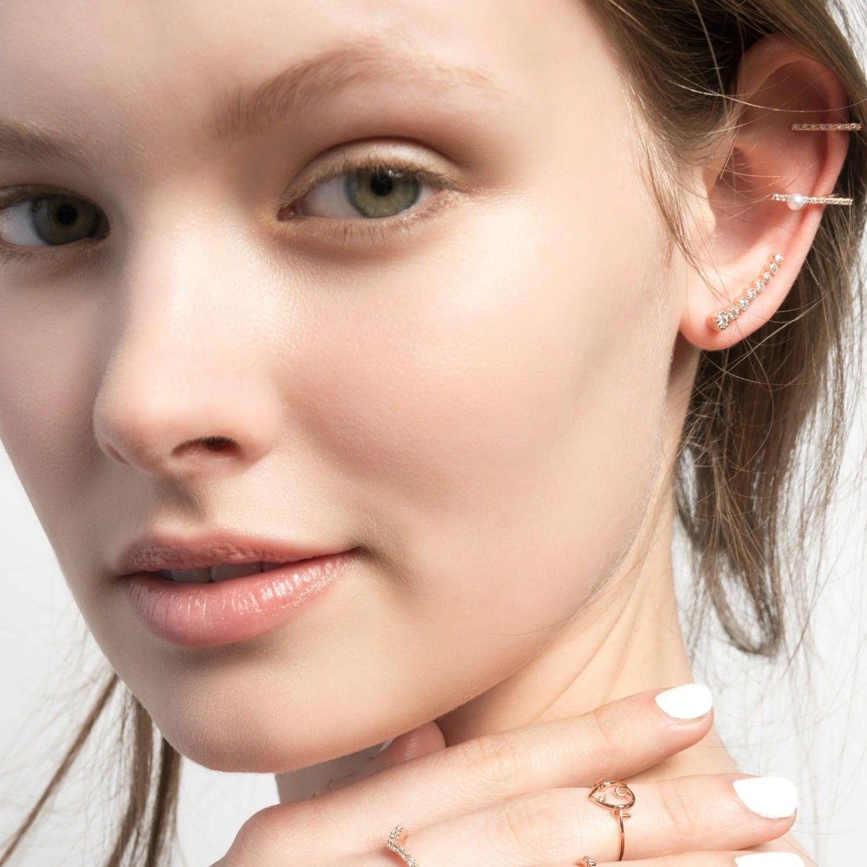 Astrid & Miyu Thin Line Ear Cuff Rose Gold in Metallic