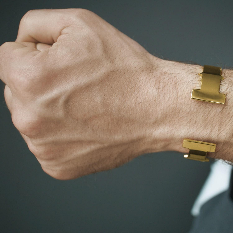 Tissuville T Bar Cuff Men Gold in Metallic for Men