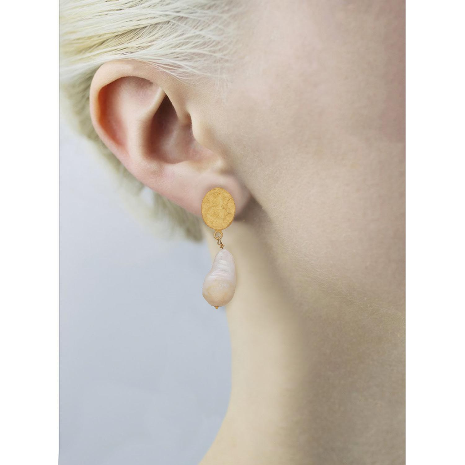 4843db3b1 Carousel Jewels - Multicolor Hammered Gold Nugget & Pearl Earrings - Lyst.  View fullscreen