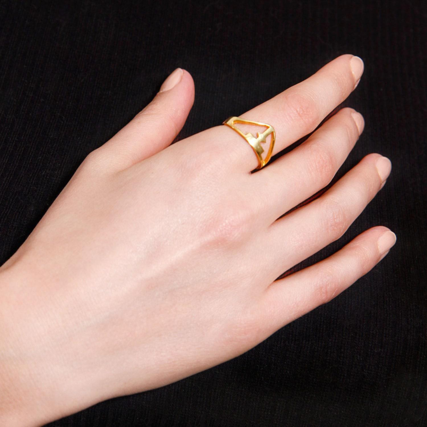 Lyst - Tissuville All About The T Ring Gold in Metallic