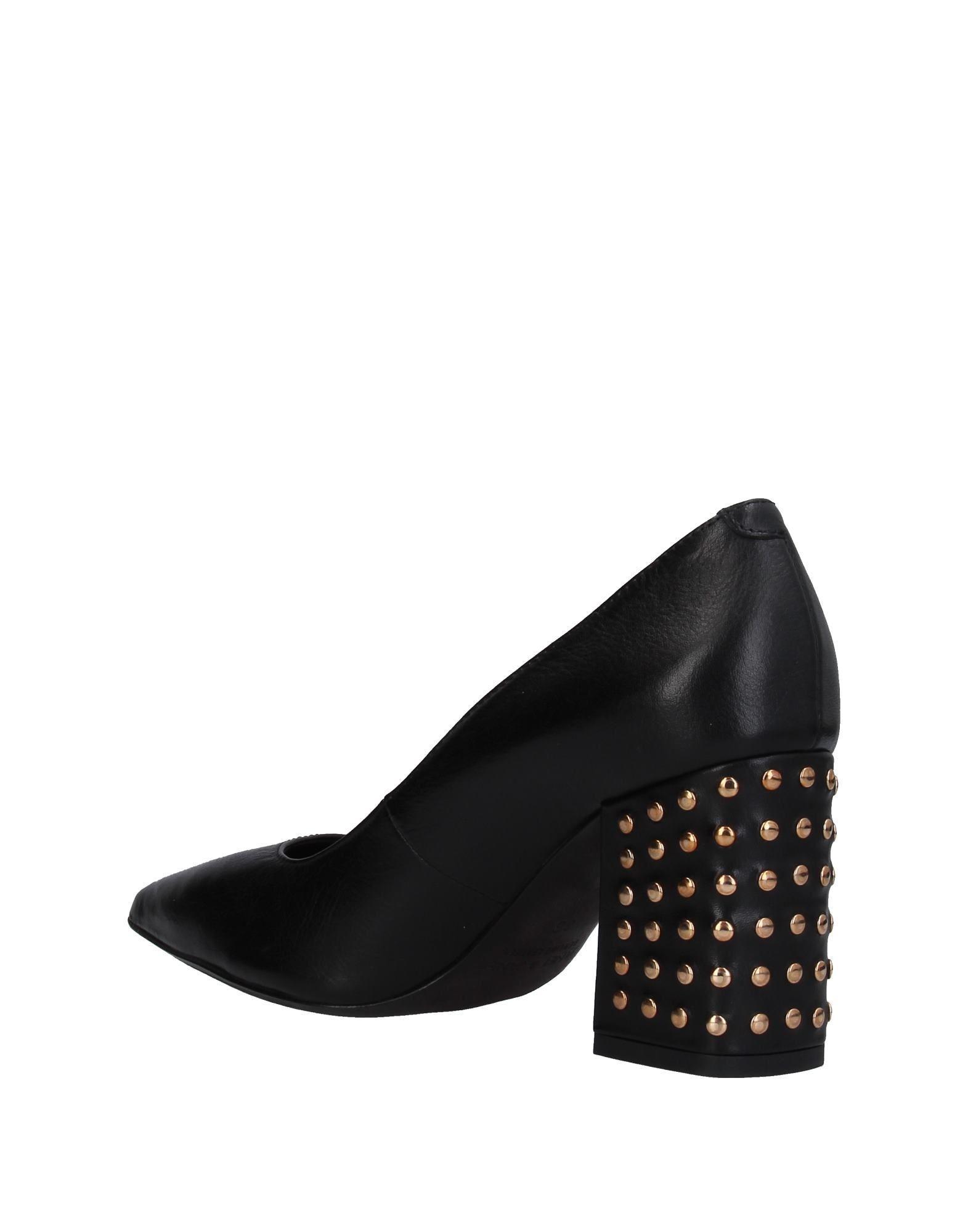Zapatos de salón Janet & Janet de Cuero de color Negro