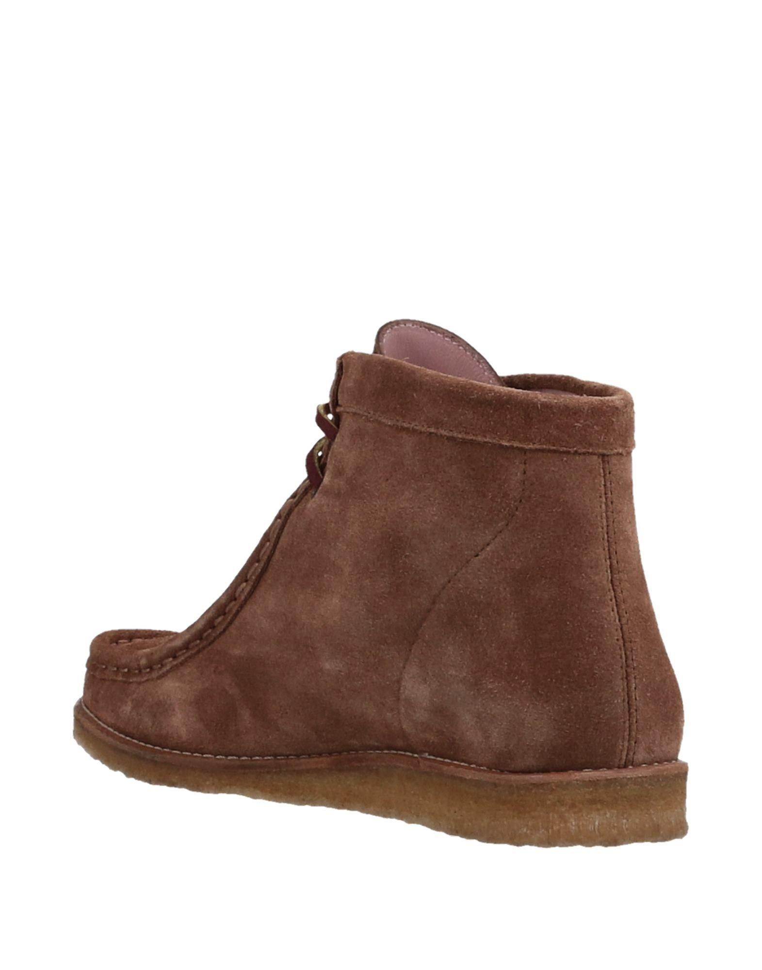 Pretty Ballerinas Leather Ankle Boots in Brown