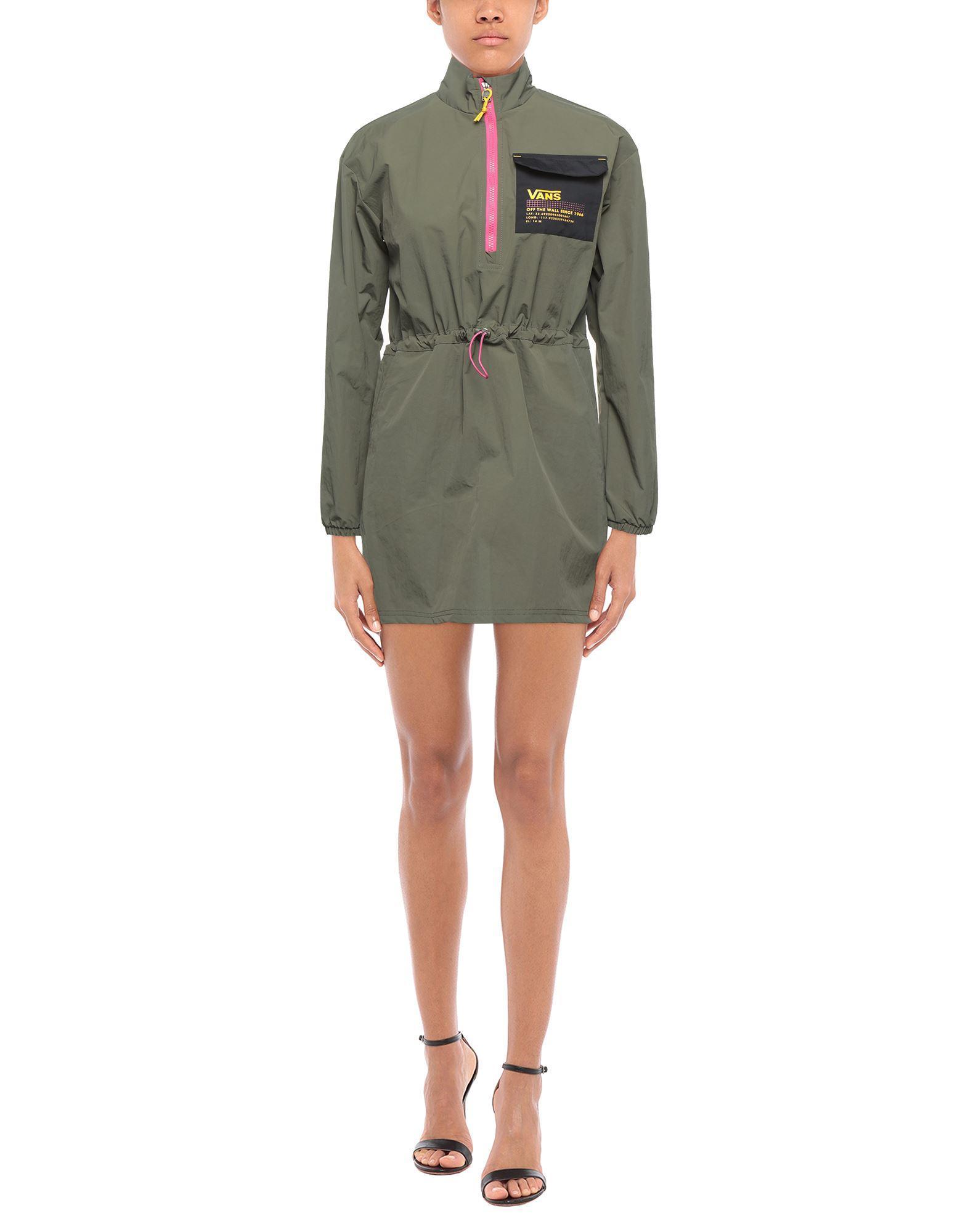 Vestito cortoVans in Materiale sintetico di colore Verde - Lyst