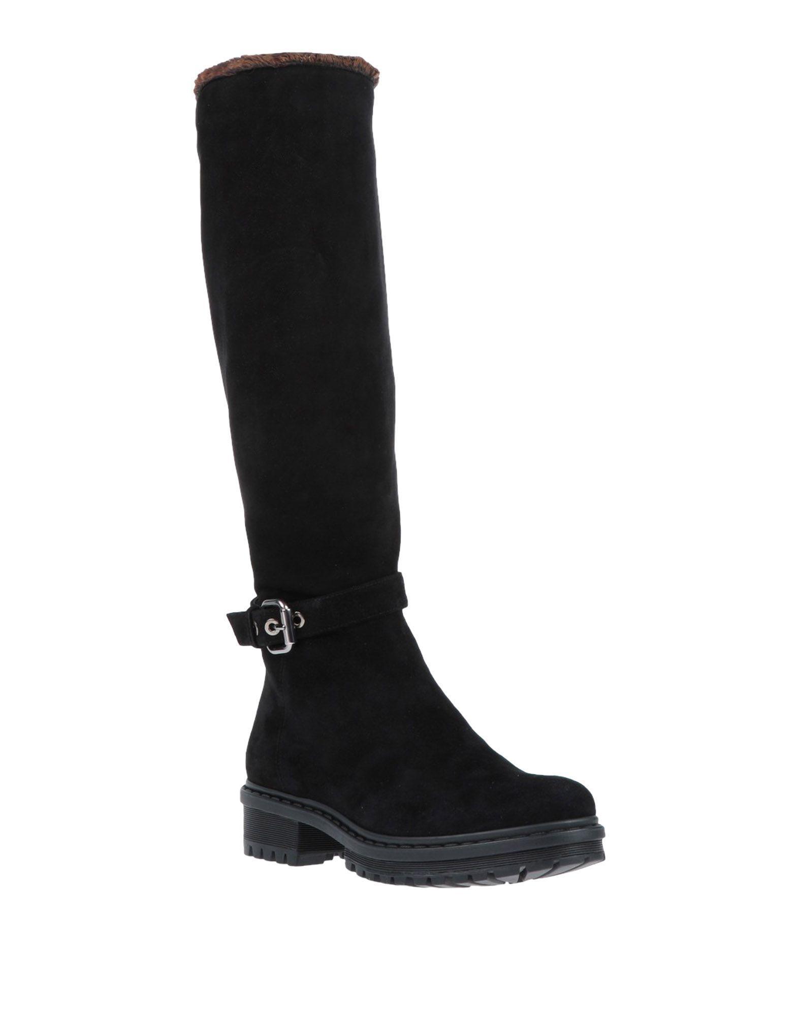 Loriblu Boots in Black