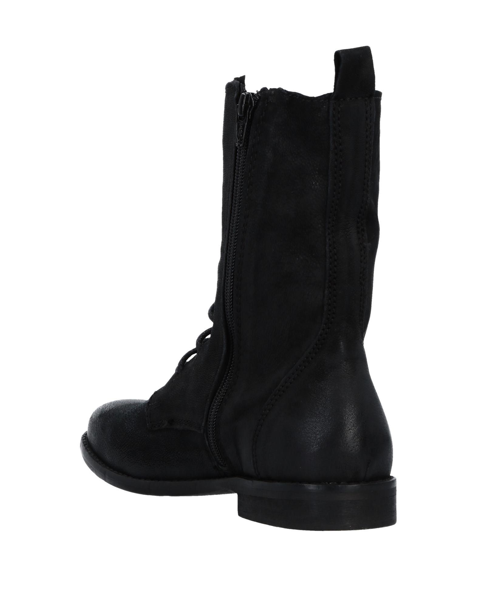 Inuovo Ankle Boots in Black
