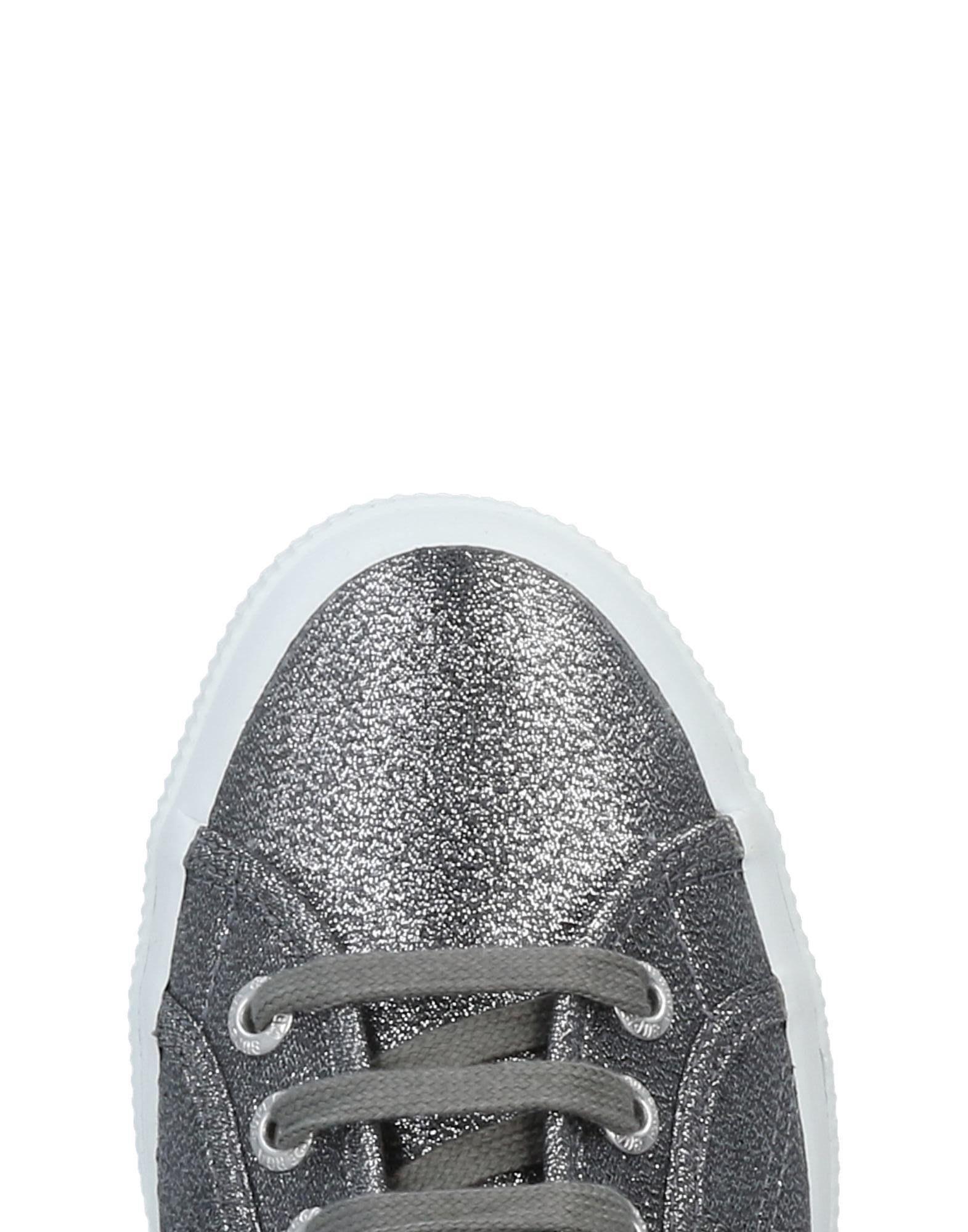 Superga Low-tops & Sneakers in Lead (Grey)