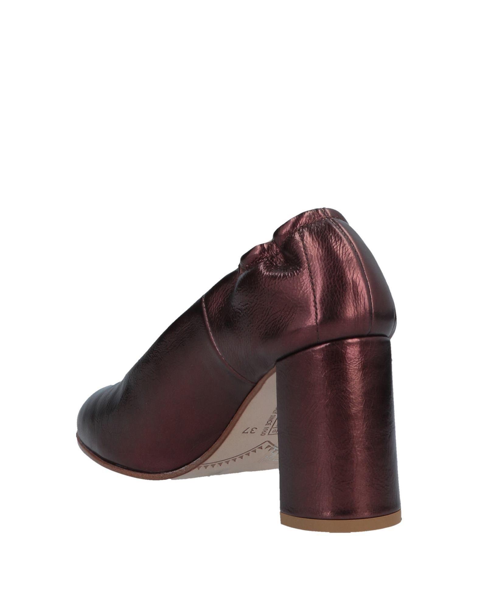 Zapatos de salón Alberto Fermani de Cuero
