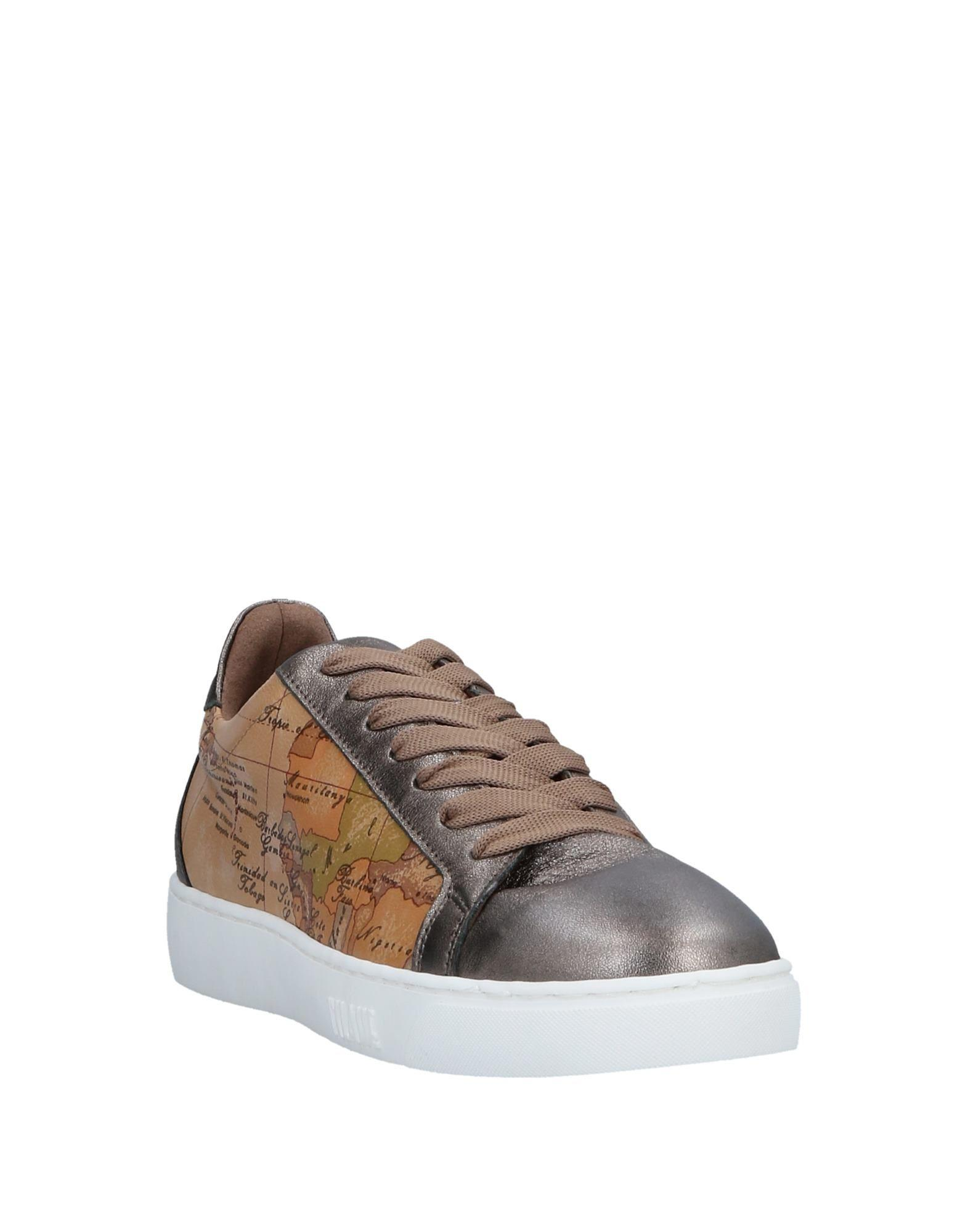 Alviero Martini 1A Classe Leather Low-tops & Sneakers in Silver (Metallic)