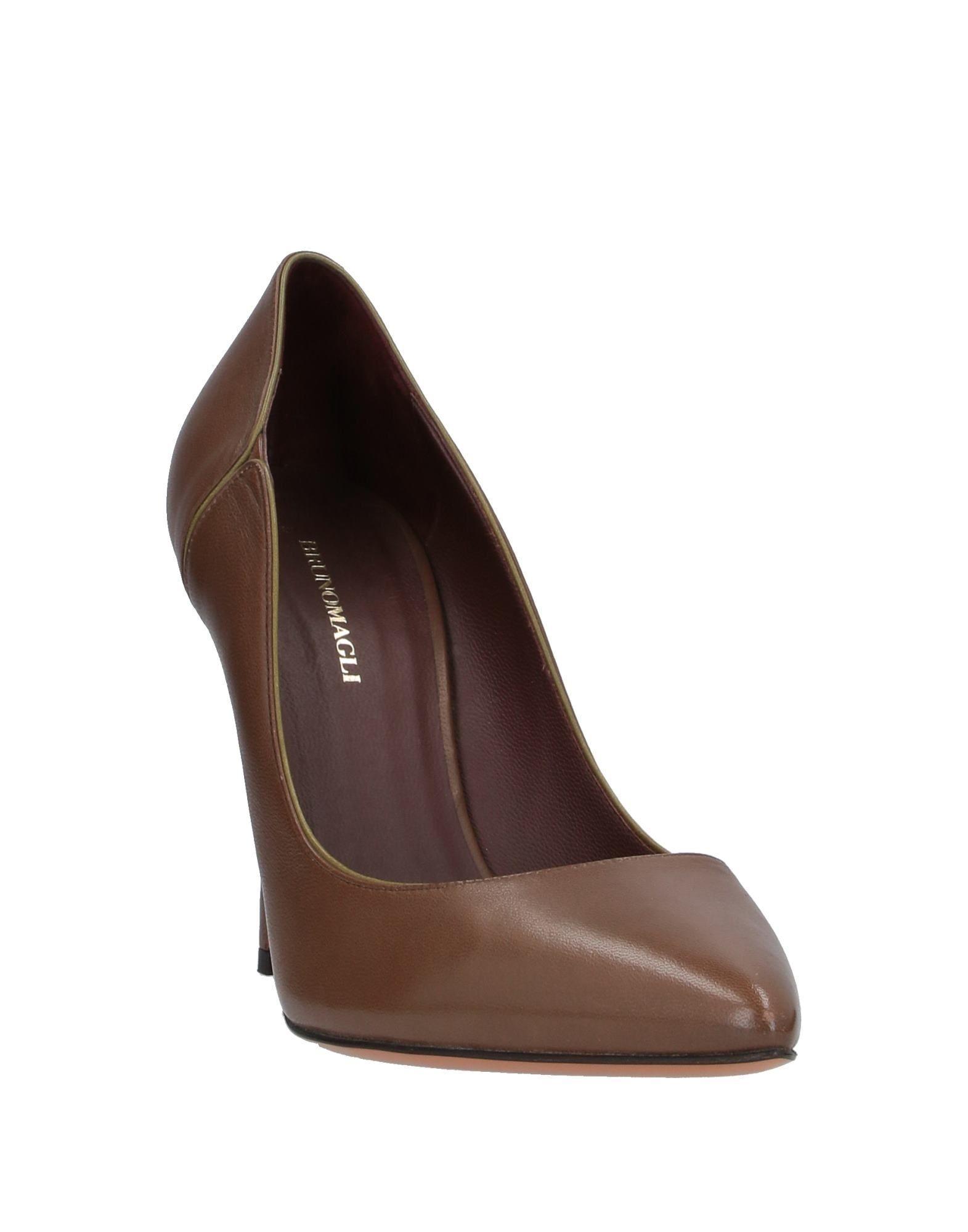 Zapatos de salón Bruno Magli de color Marrón