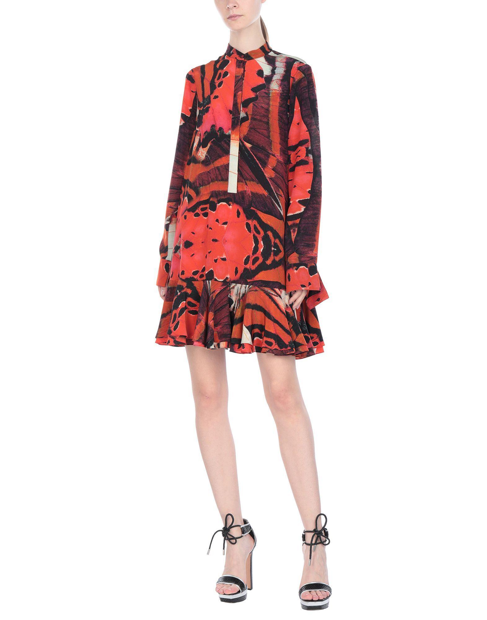 Robe courte Alexander McQueen en coloris Orange