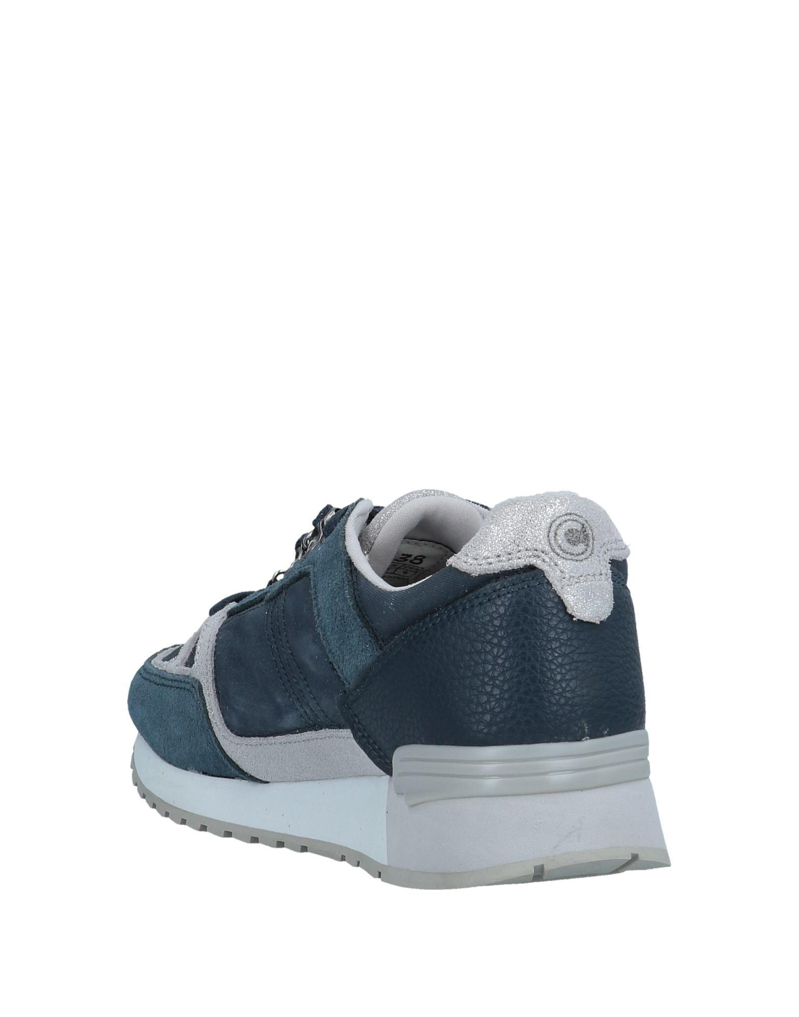 Colmar Canvas Low-tops & Sneakers in Slate Blue (Blue)