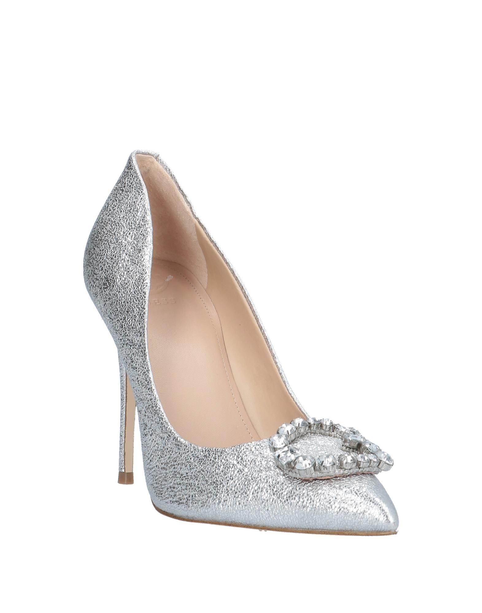 Zapatos de salón Guess de color Metálico