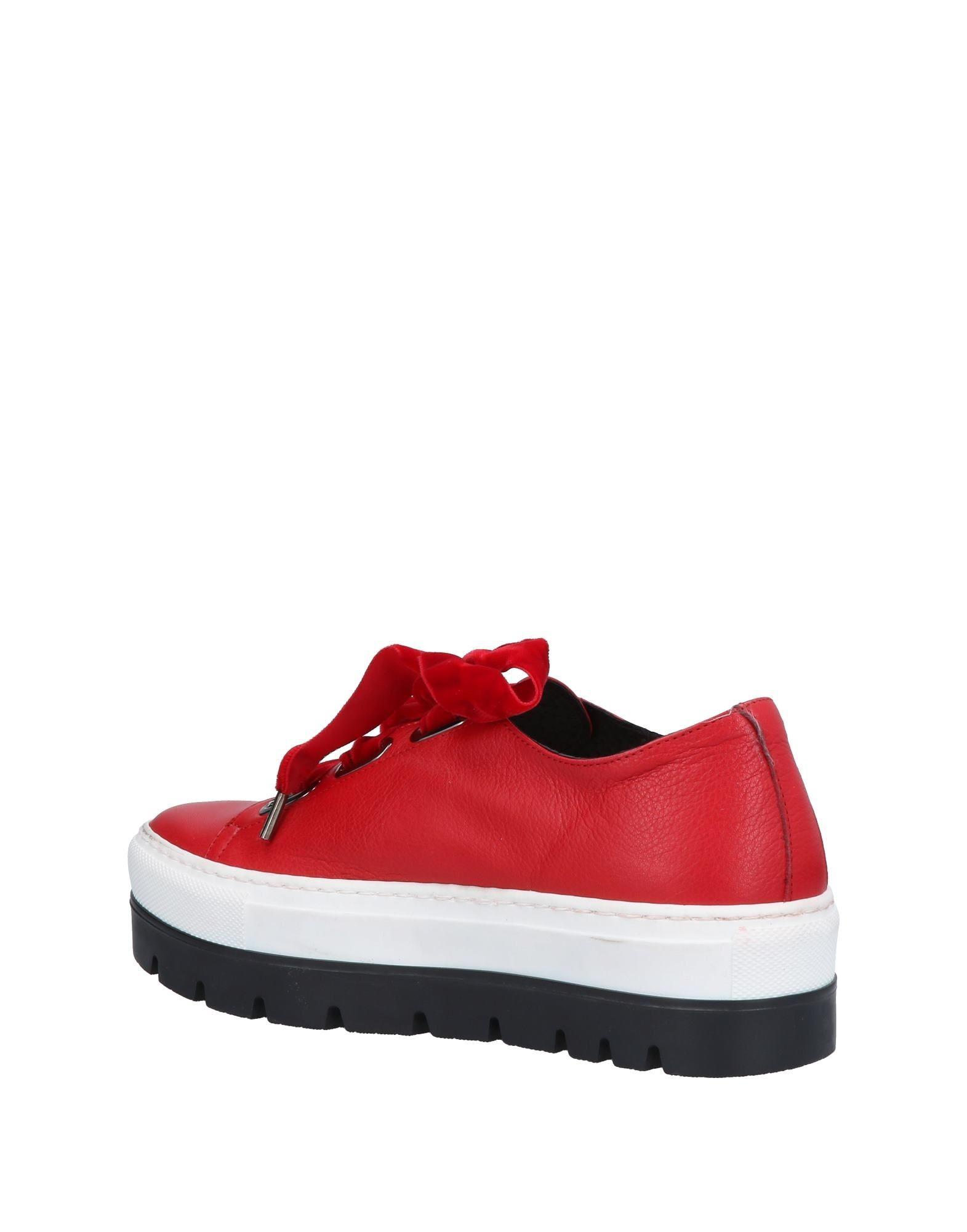 Stele Leather Low-tops & Sneakers in Red