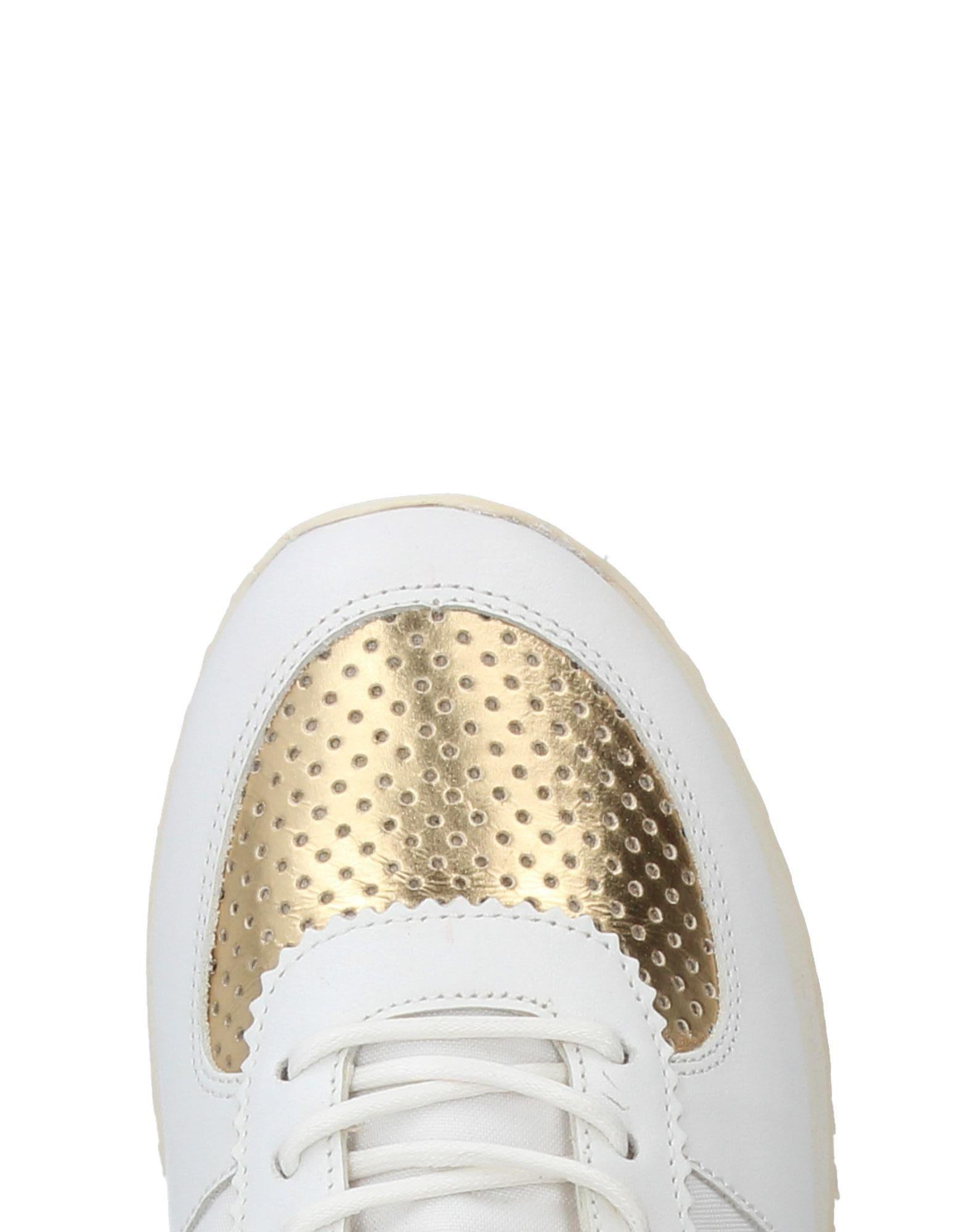 Leather Crown Canvas Low-tops & Sneakers in White