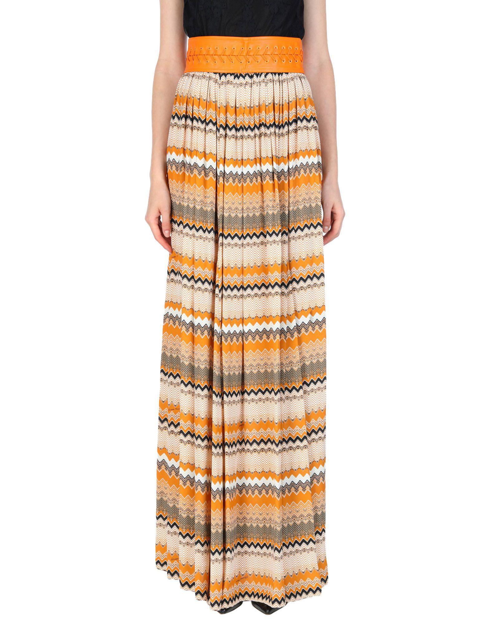 76d8d58d1 Falda larga de mujer de color naranja