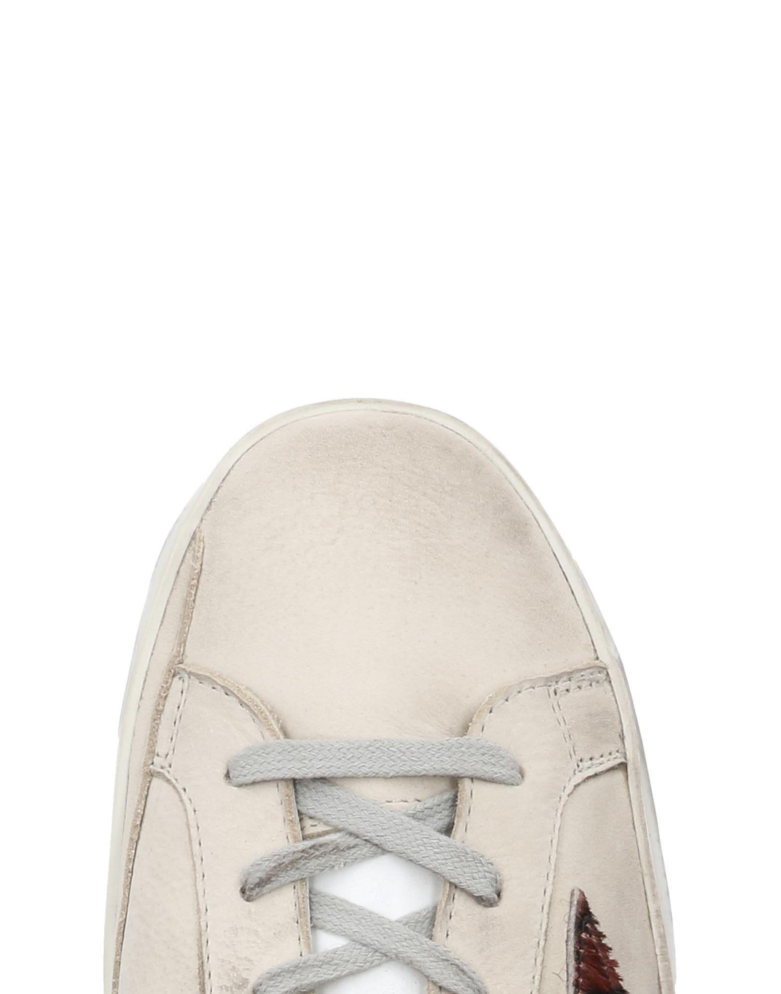 Golden Goose Deluxe Brand Low-tops & Sneakers in Beige (Natural)