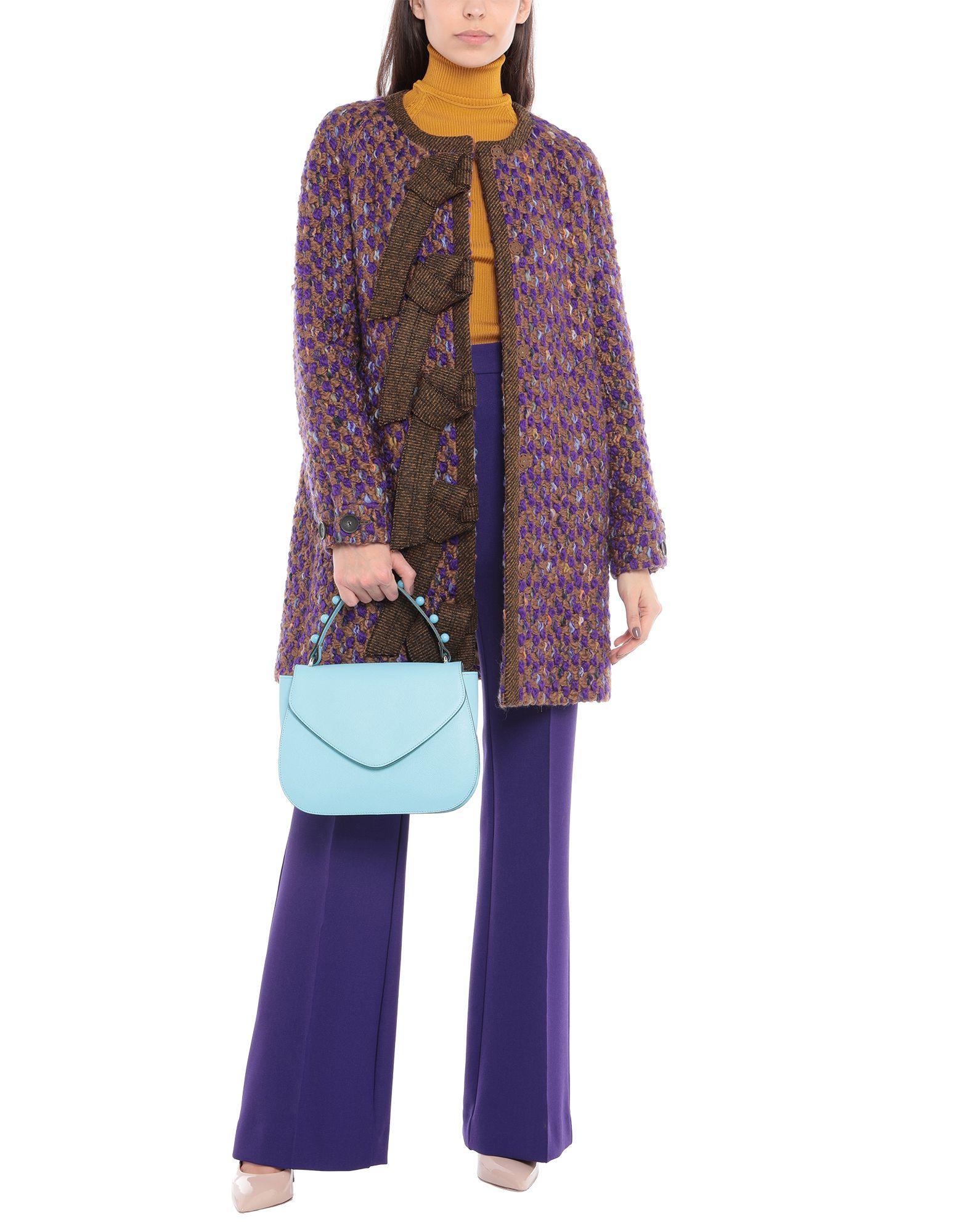 Ab Asia Bellucci Leder Handtaschen in Blau KPtHO