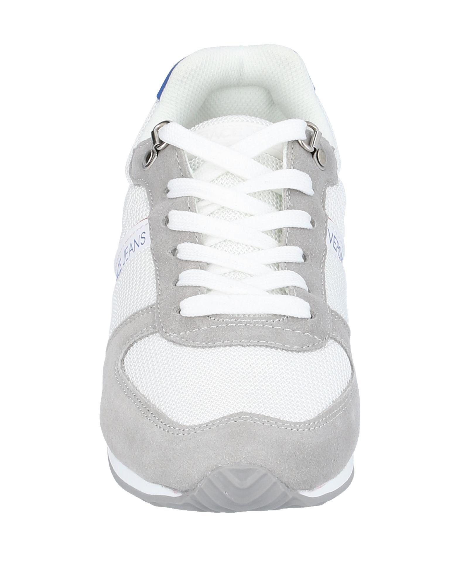 Sneakers & Tennis basses Daim Versace pour homme en coloris Gris lVzM
