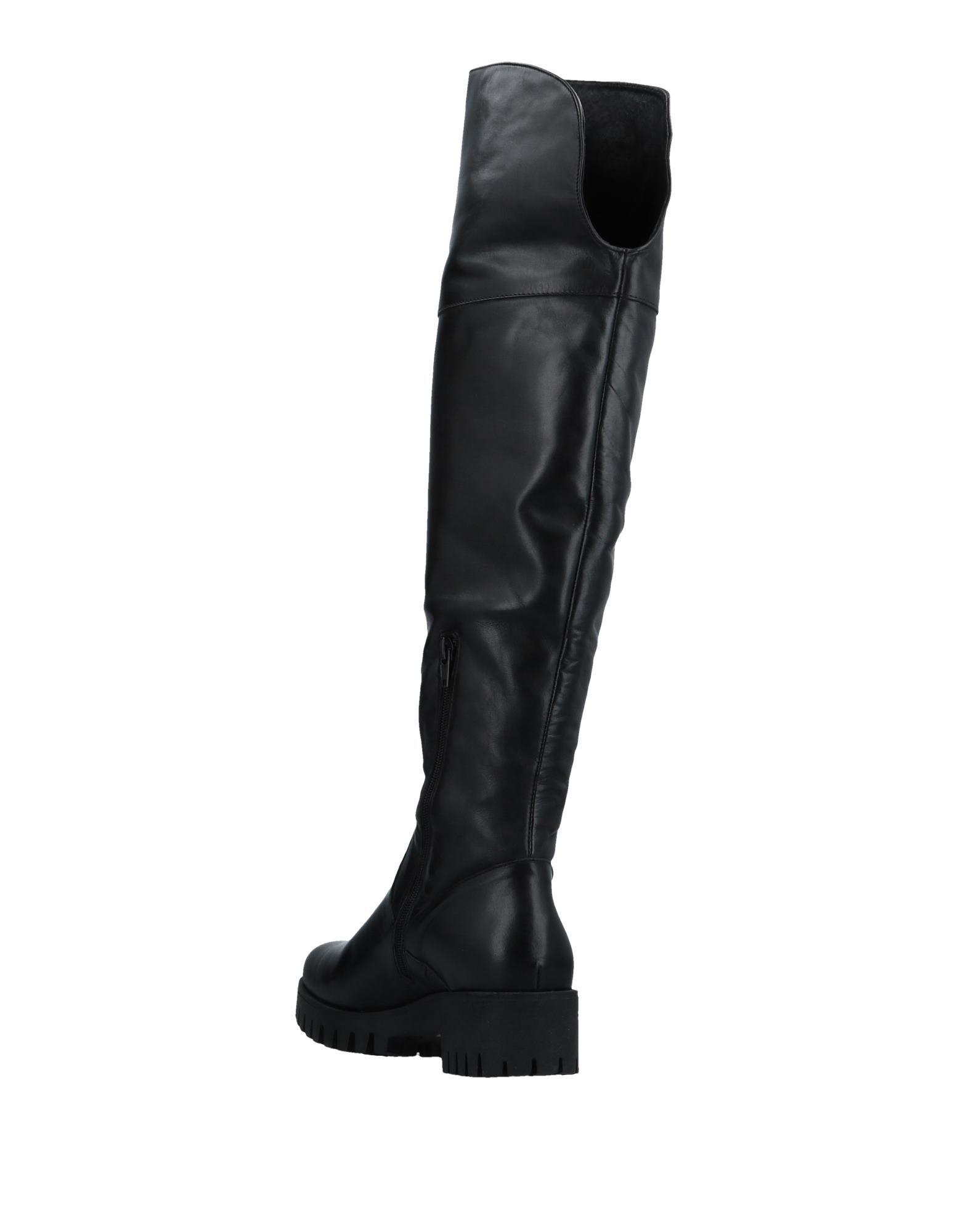 Lb Leather Boots in Black