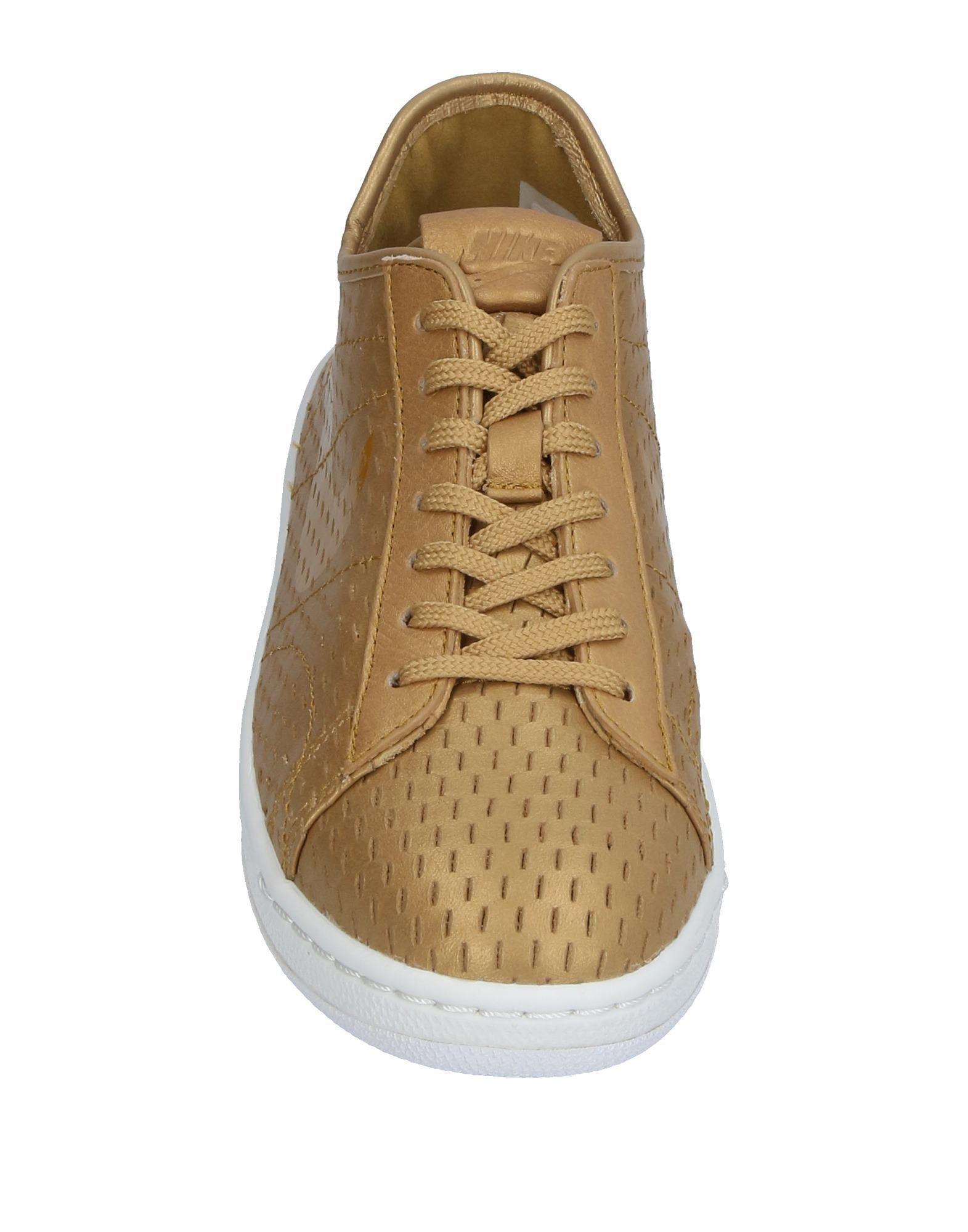 Nike Leather Low-tops & Sneakers in Gold (Metallic)