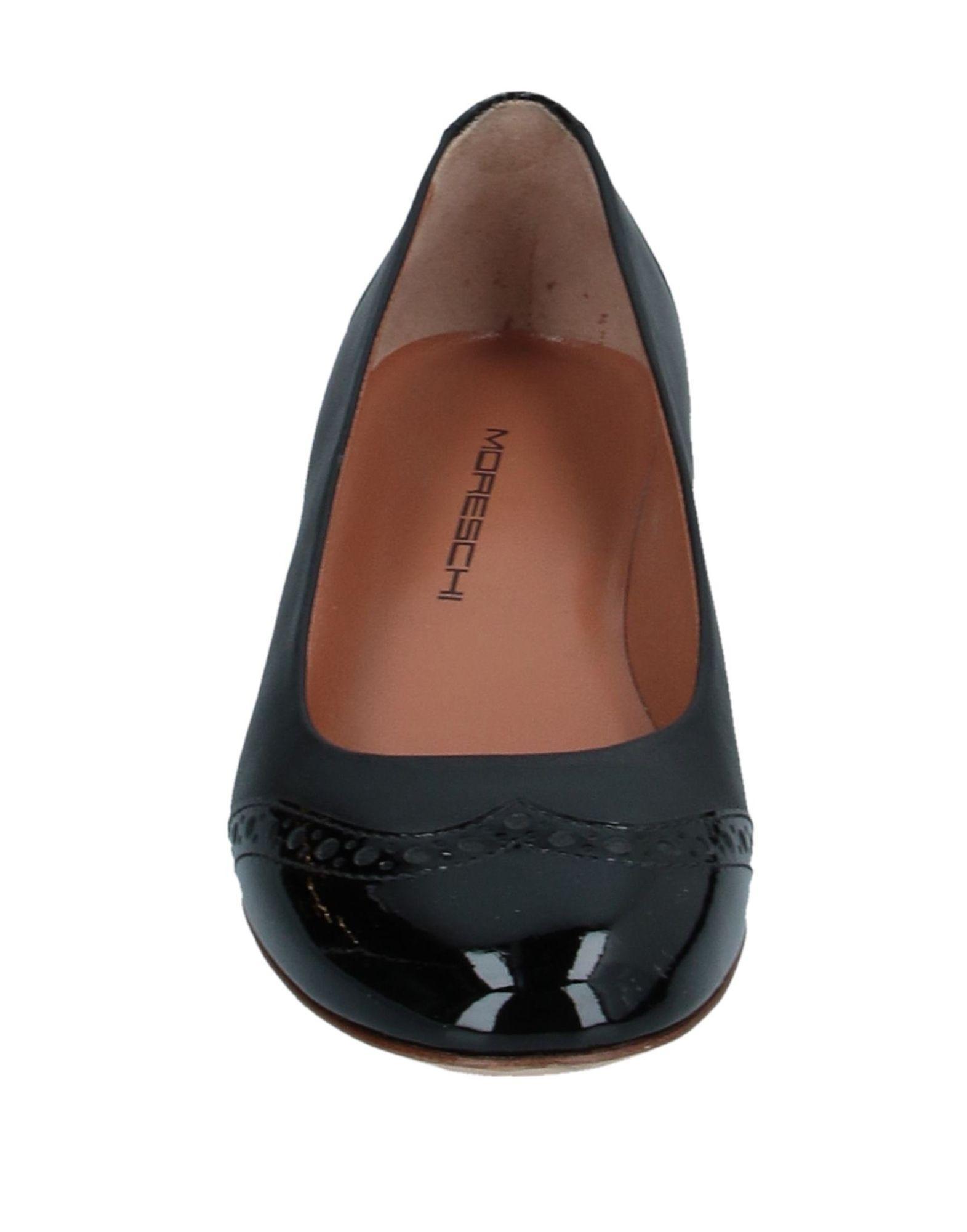 Bailarinas Moreschi de color Negro