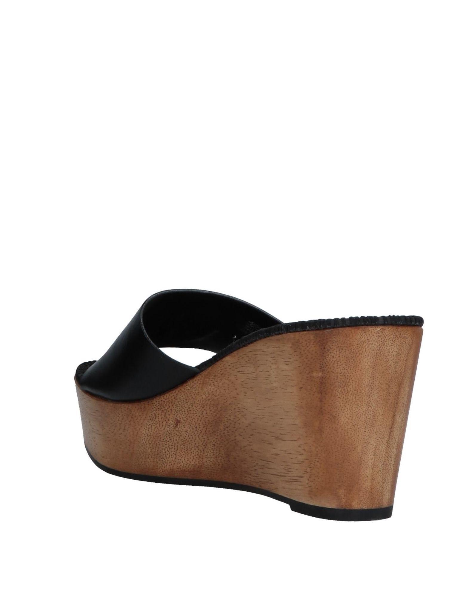 c6b2bc632dfb Lyst - Tory Burch Sandals in Black - Save 48%