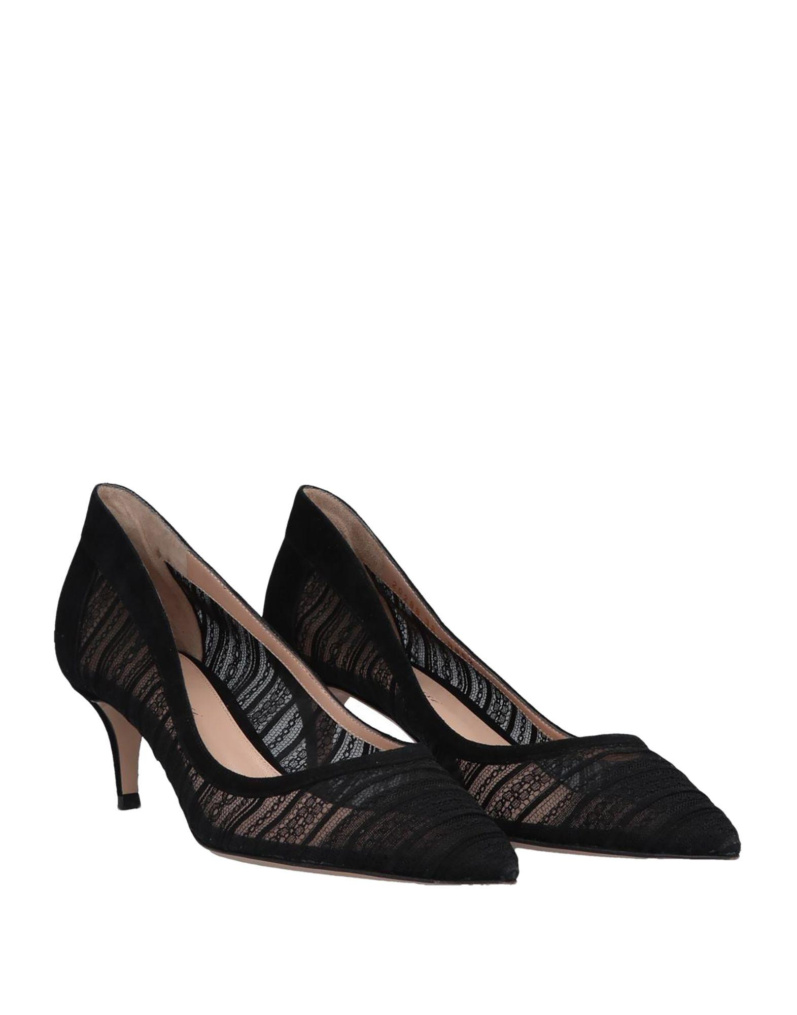 Zapatos de salón Gianvito Rossi de Encaje de color Negro