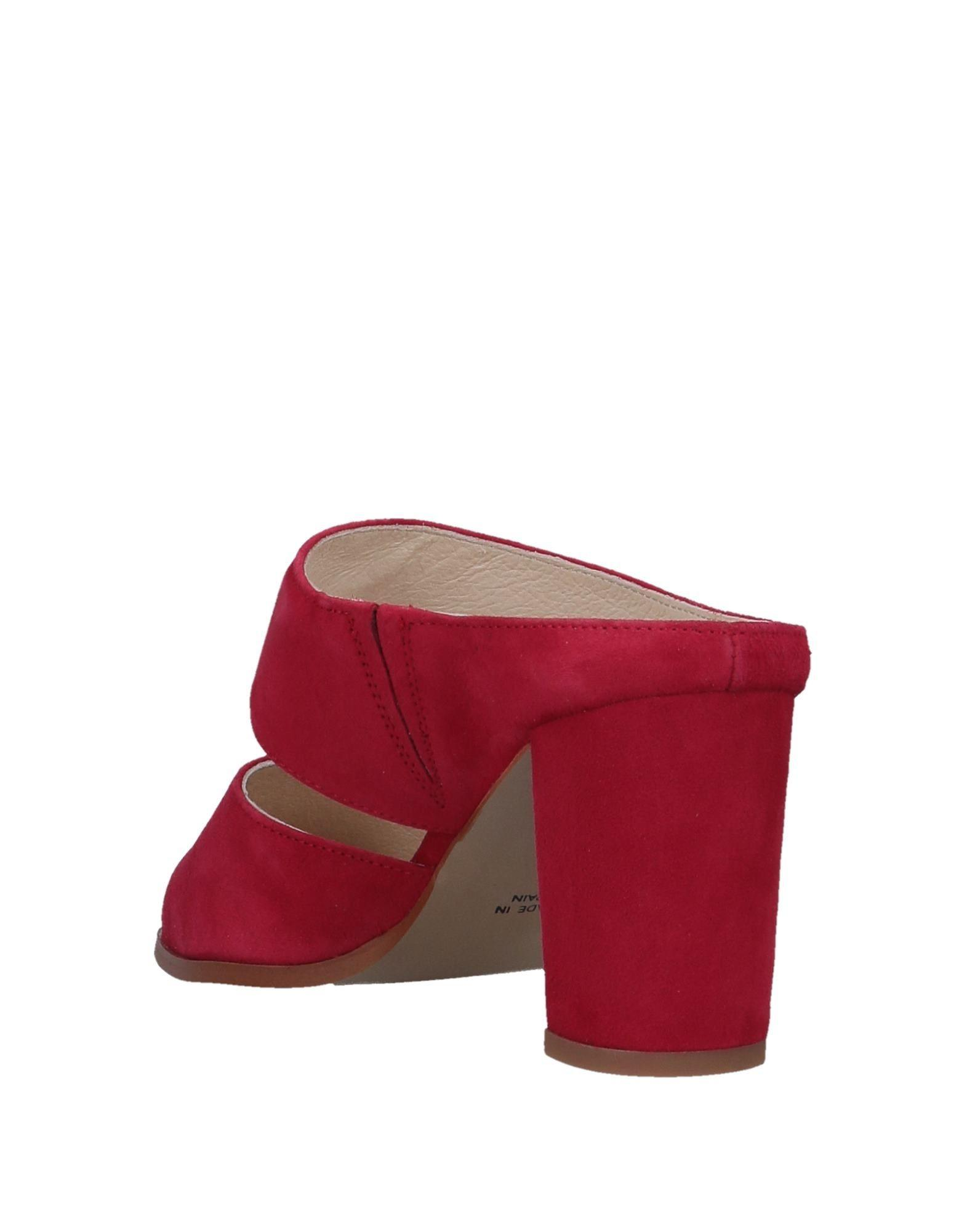 Mules & Zuecos INTENTIONALLY ______ de Cuero de color Rojo