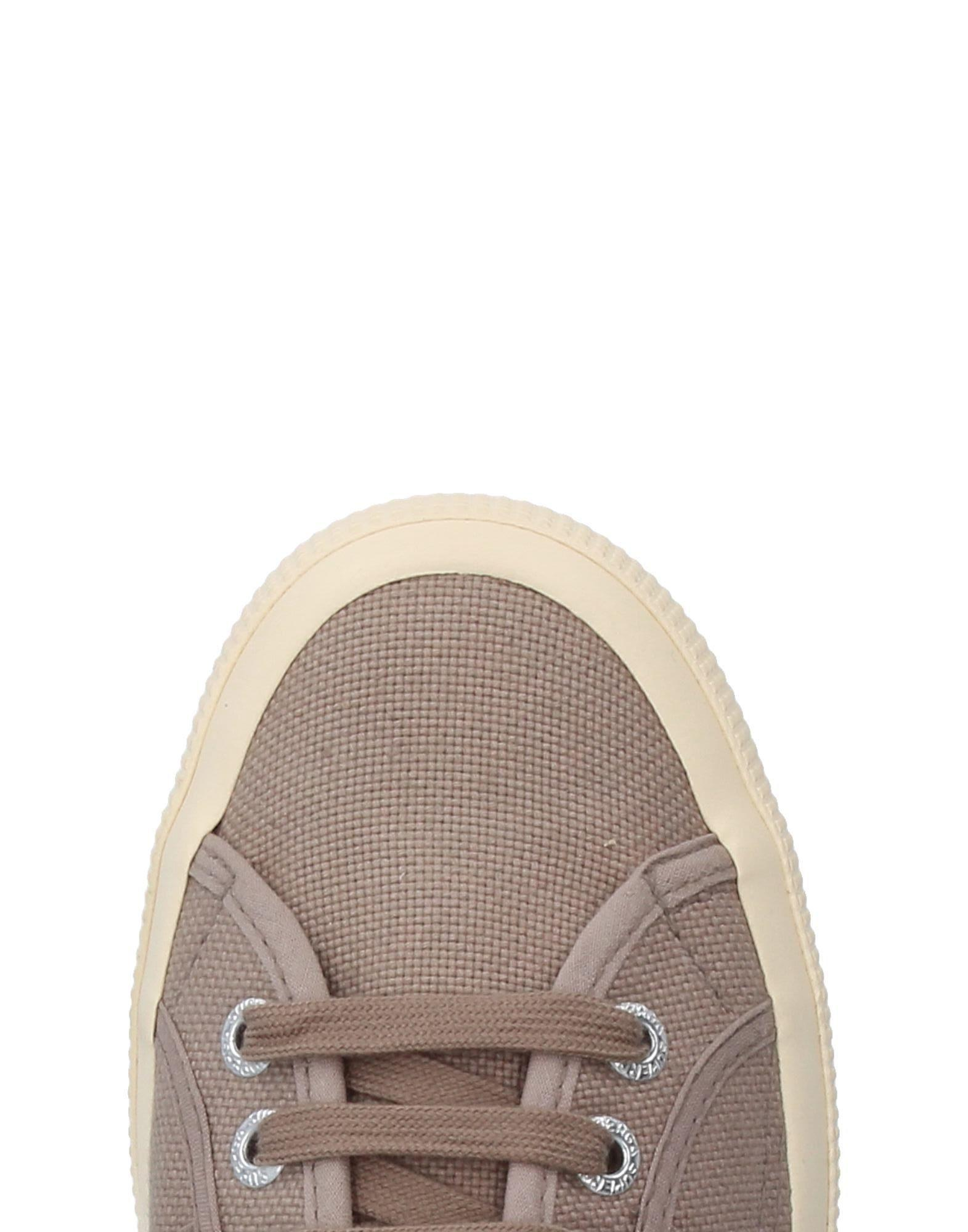 Superga Canvas Low-tops & Sneakers in Khaki (Natural)