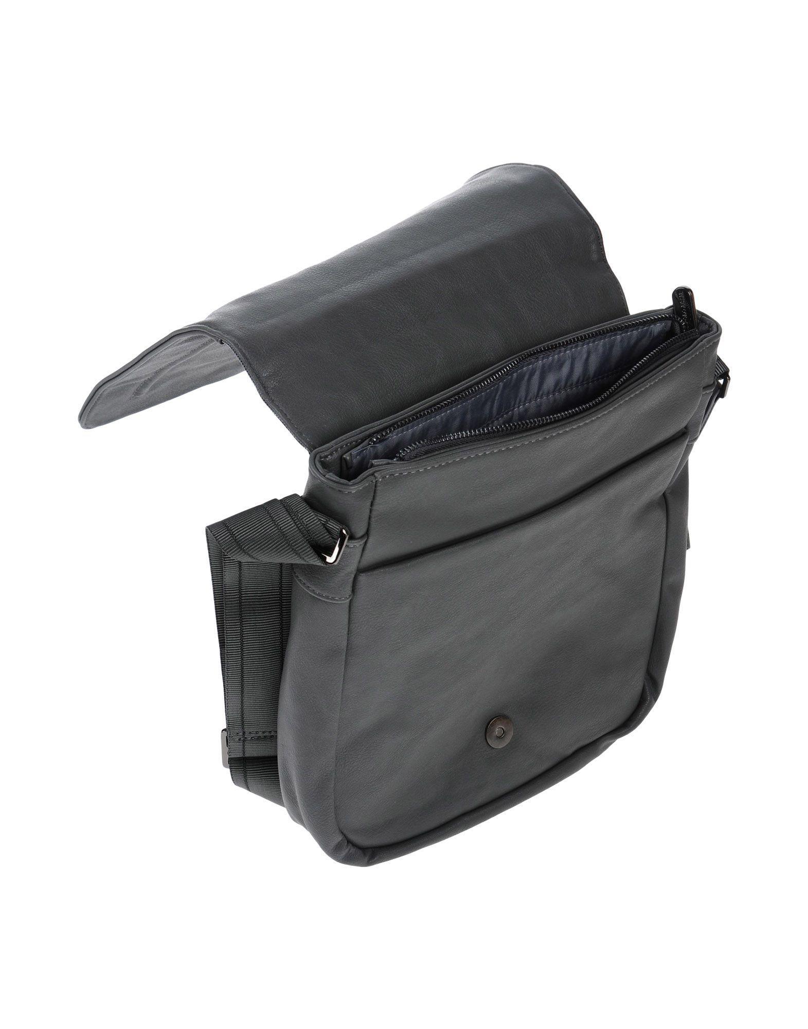 U.S. POLO ASSN. Cross-body Bag in Lead (Grey)