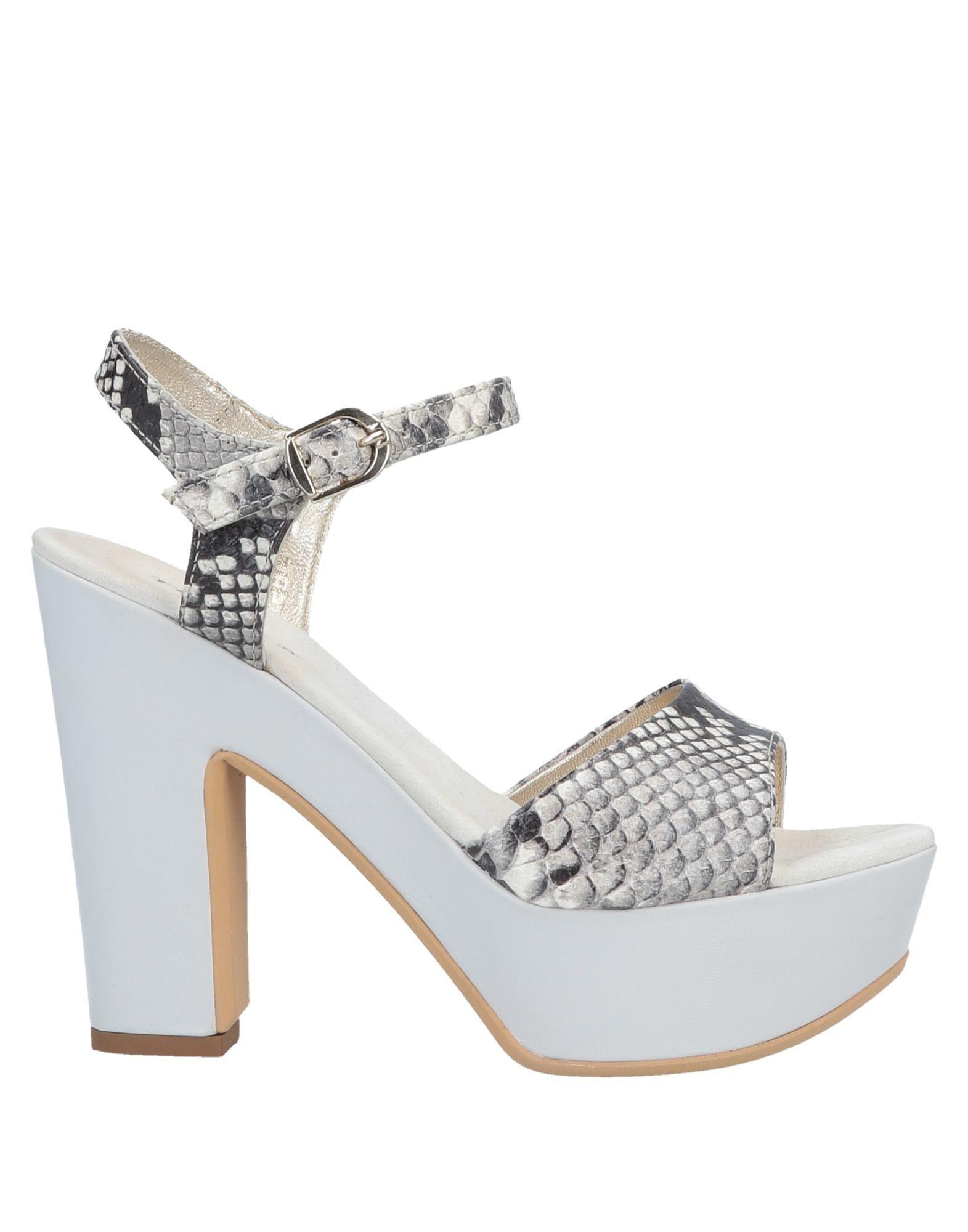 40902e6e0 ... 682f3f775732 Lyst - Tosca Blu Sandals in Natural ...