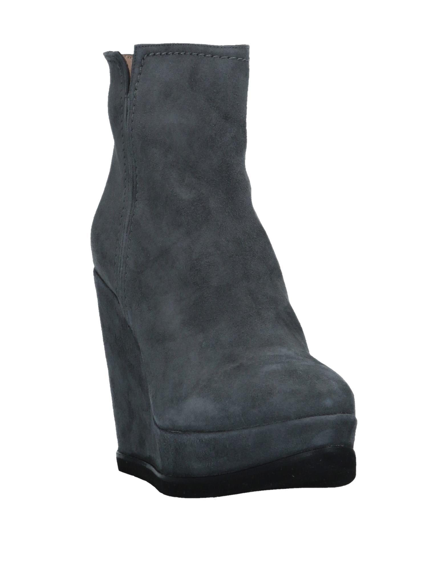 Pura López Leather Ankle Boots in Grey (Grey)