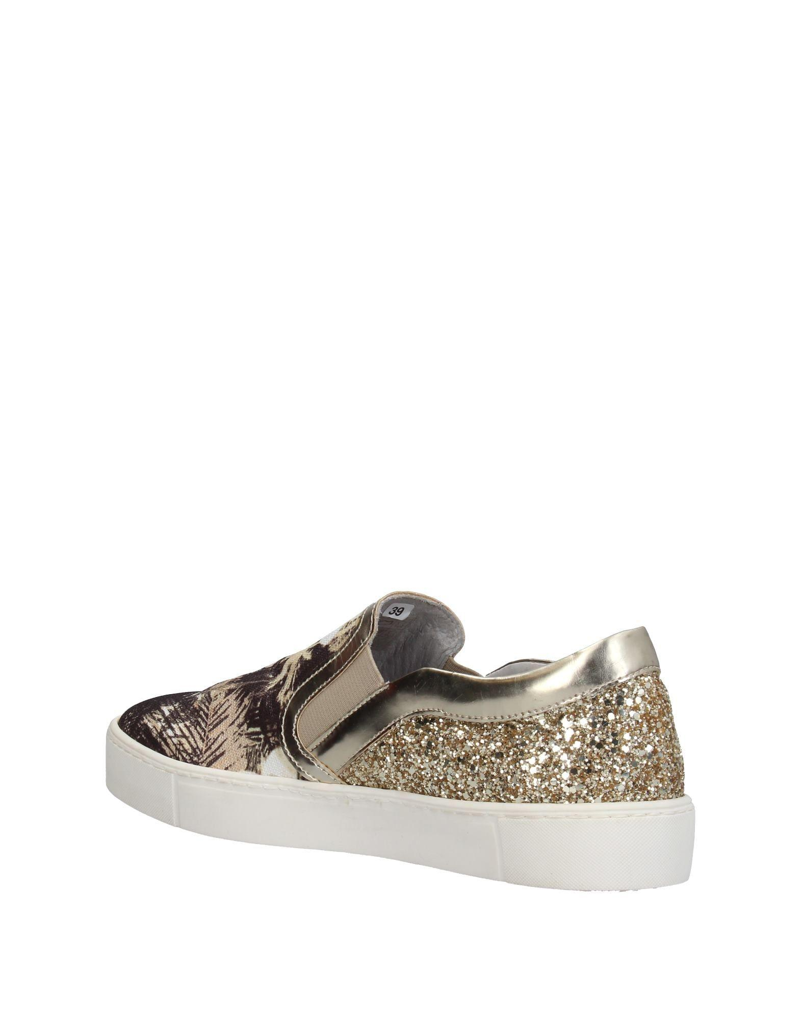 Divine Follie Leather Low-tops & Sneakers in Ivory (White)