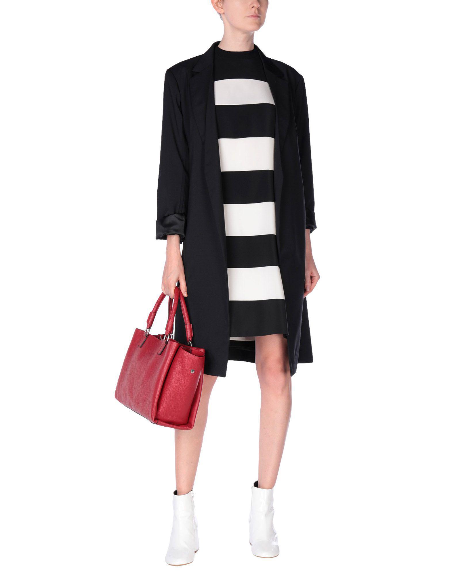 Ab Asia Bellucci Leder Handtaschen in Rot SSfXg