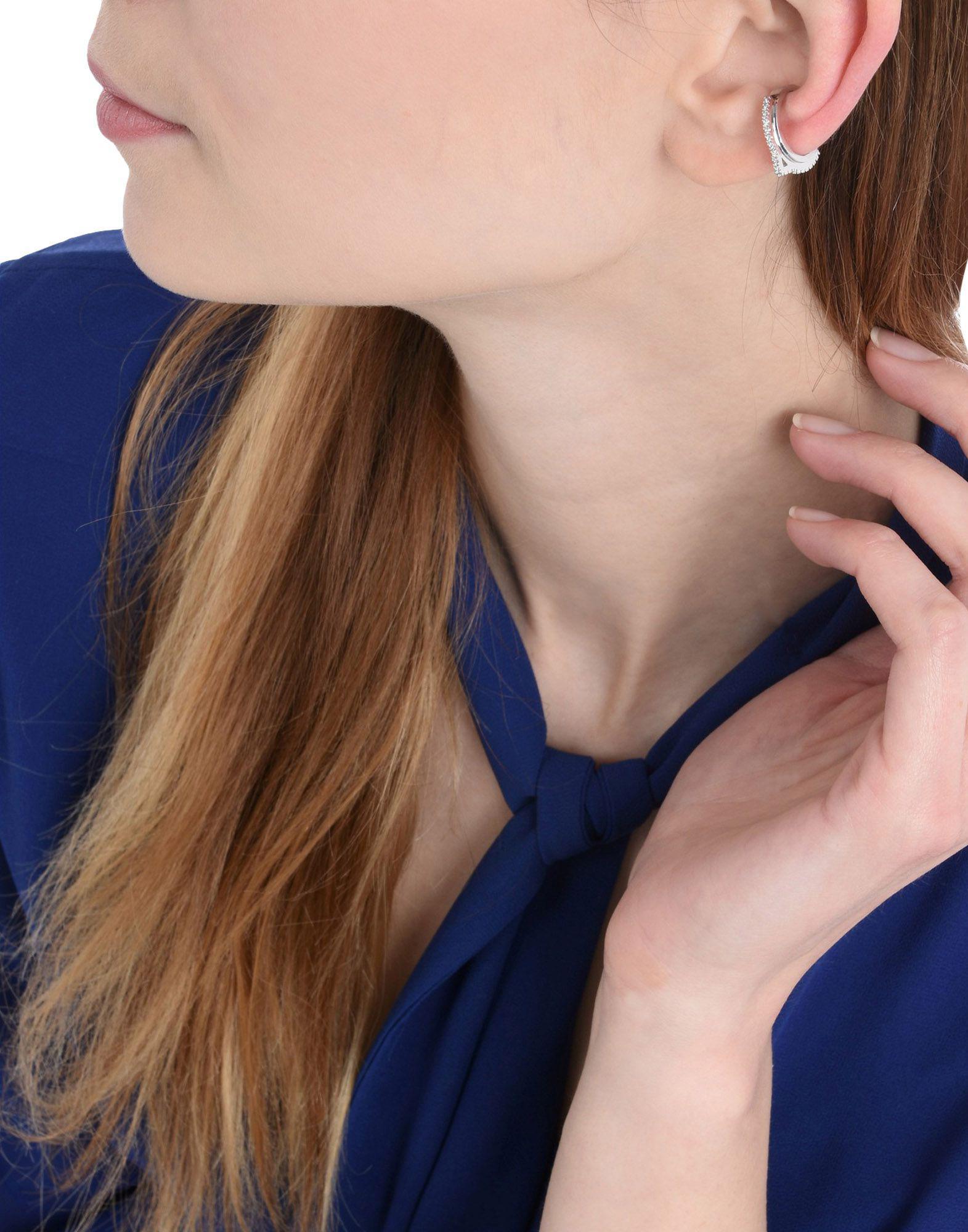 Astrid & Miyu Earring in Silver (Metallic)