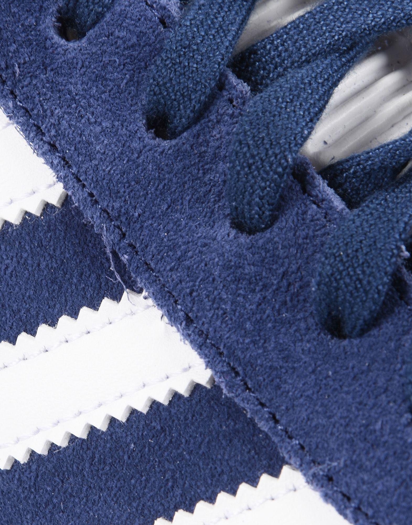 adidas Originals Suede Low-tops & Sneakers in Blue