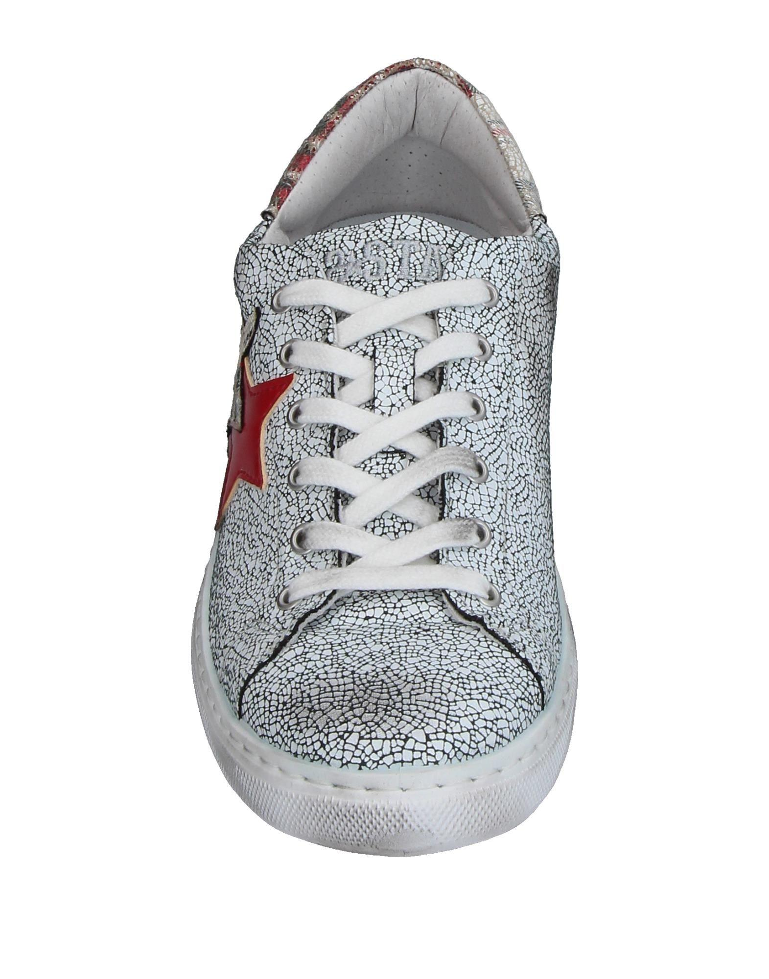 2Star Low-tops & Sneakers in White