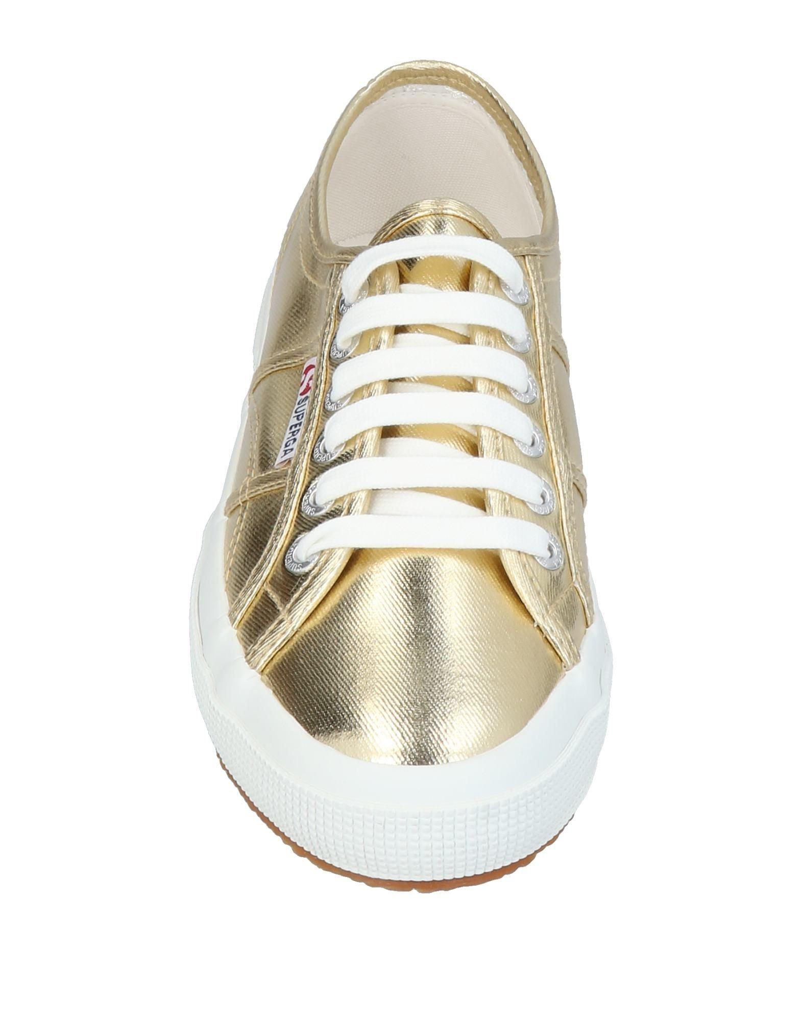Superga Rubber Low-tops & Sneakers in Gold (Metallic)