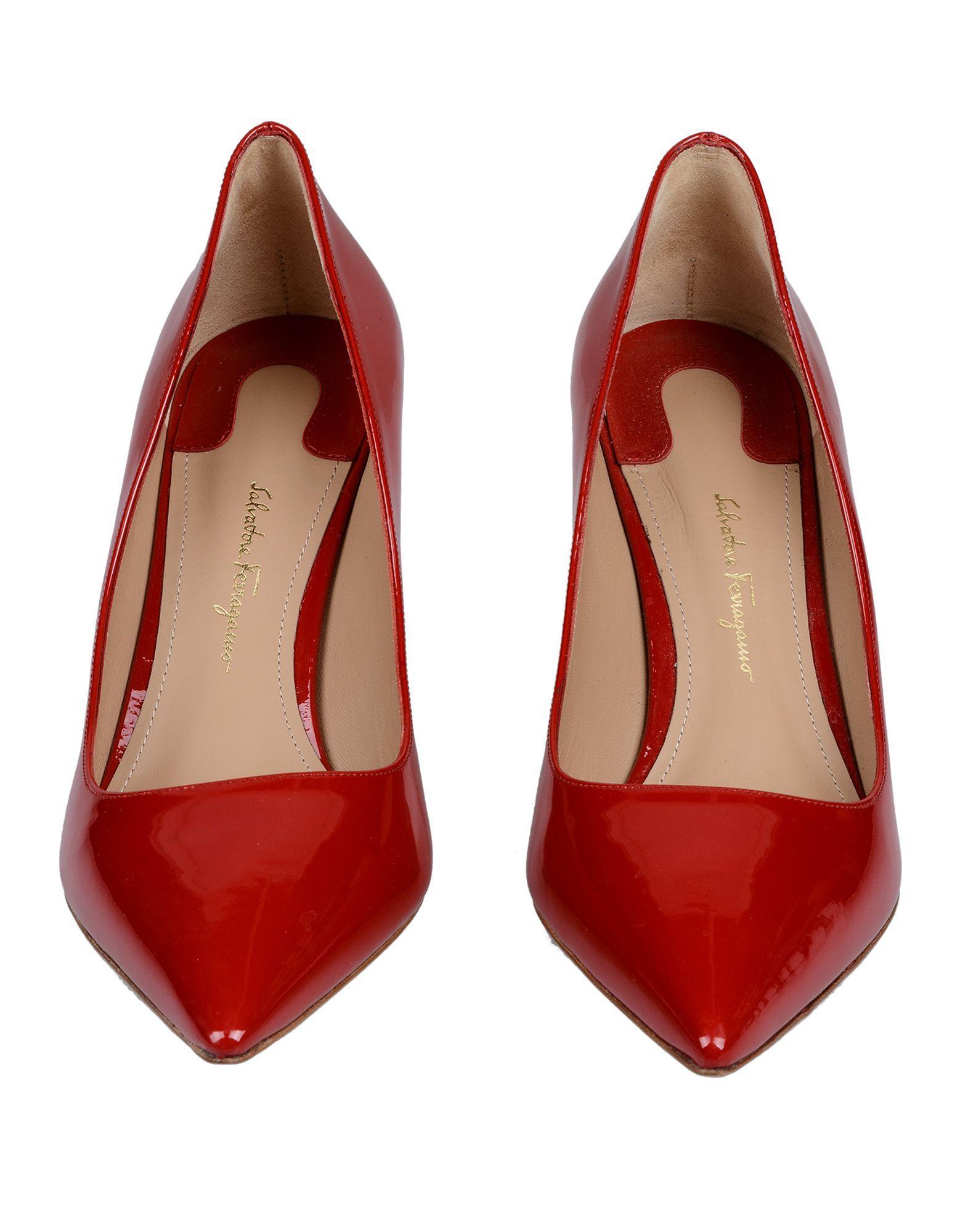 Zapatos de salón Ferragamo de Cuero de color Rojo