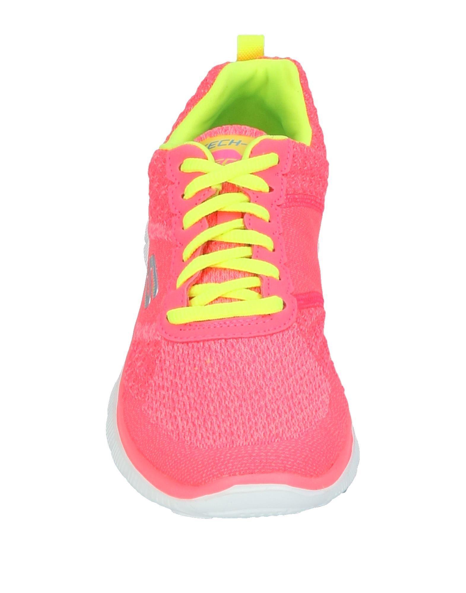 Skechers Low-tops & Sneakers in Coral (Pink)