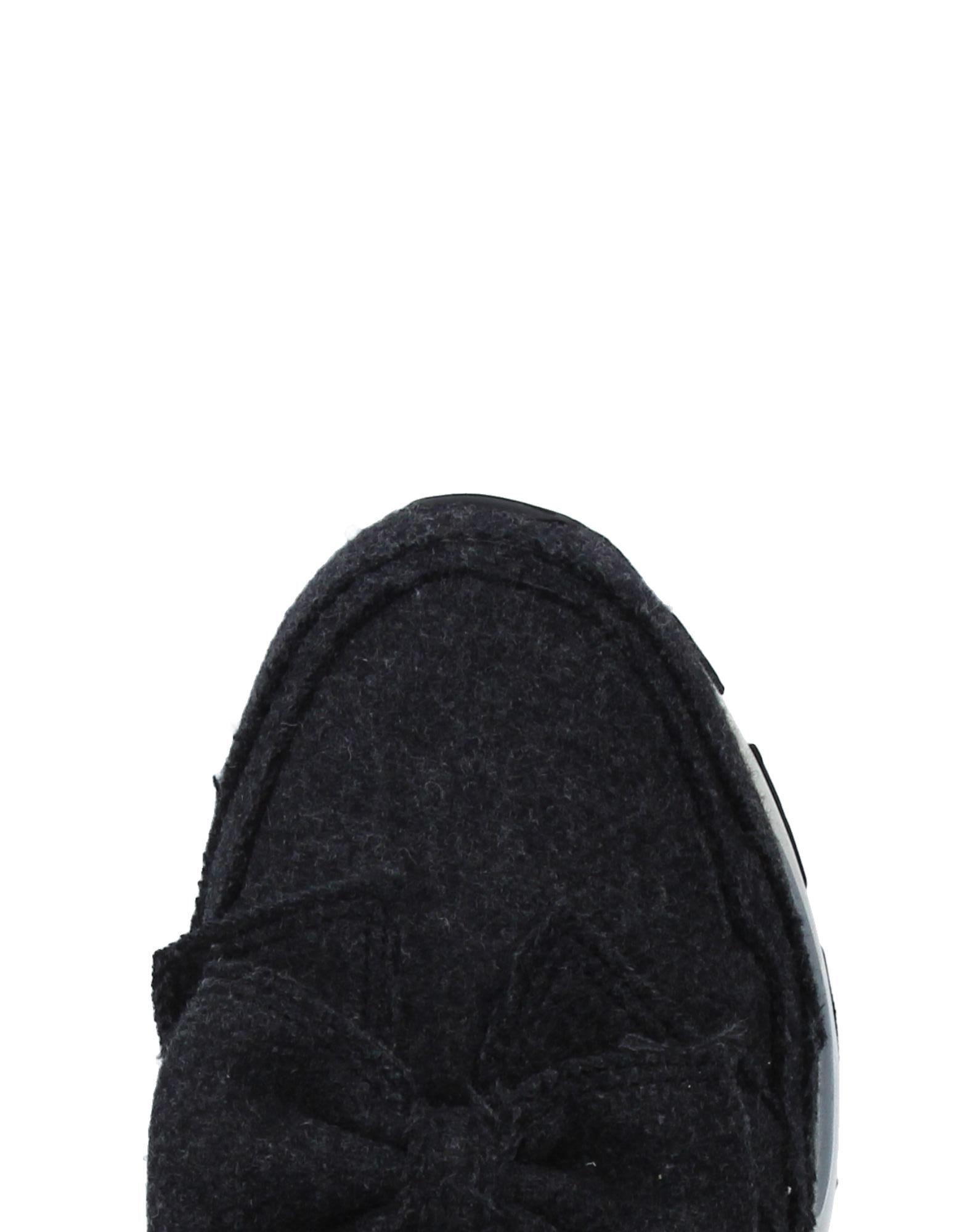 Suecomma Bonnie Flannel Low-tops & Sneakers in Lead (Black)